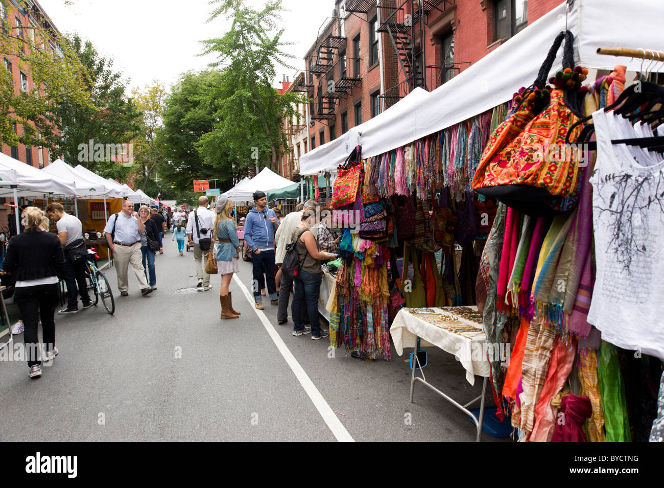 Week-end street market sur Bleecker Street à Greenwich Village, New York City, USA Photo Stock