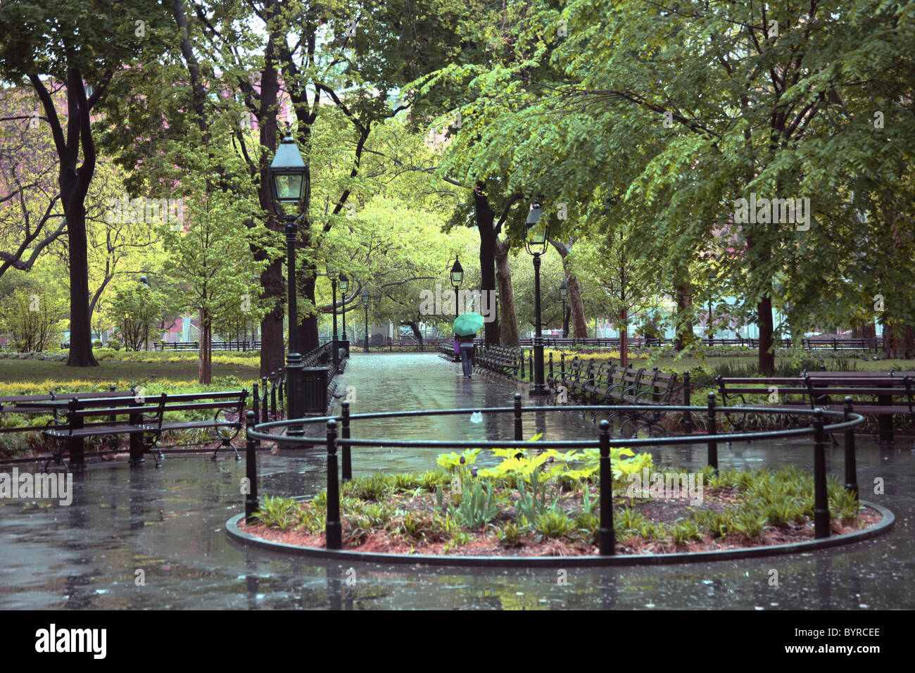 Chemins dans un parc par temps humide, Manhattan, New York City, New York, États-Unis d'Amérique Photo Stock