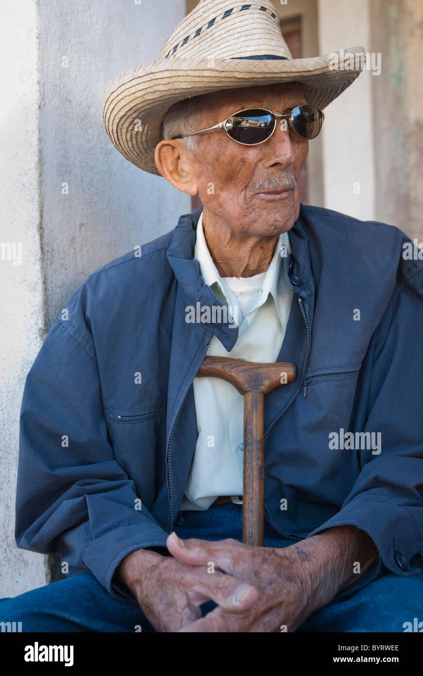 how to buy fast delivery first rate Vieil homme à chapeau de cowboy, Palmira, Cienfuegos, Cuba ...