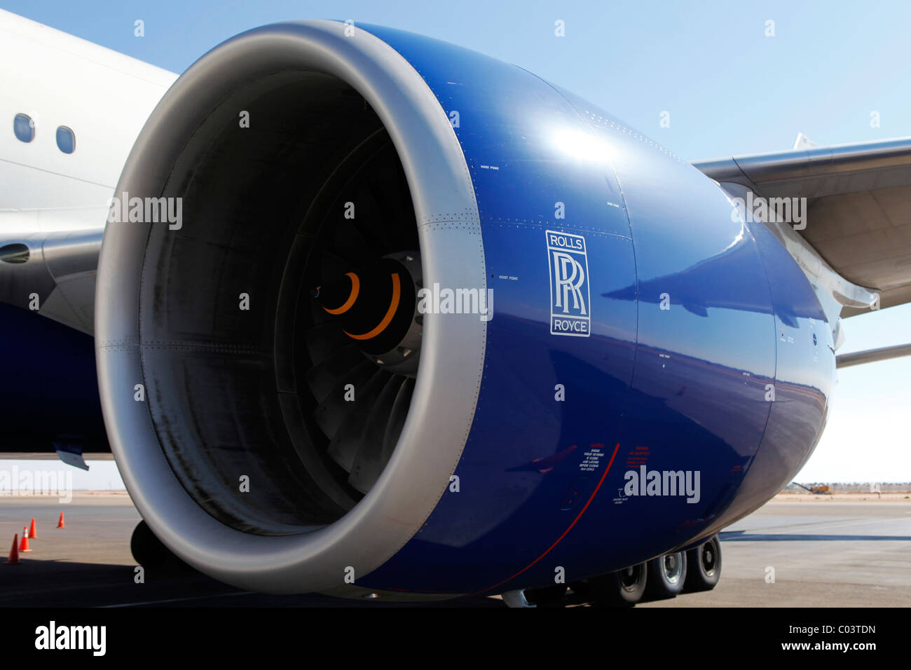 une rolls royce moteur sur un avion de ligne commerciale banque d 39 images photo stock 34505793. Black Bedroom Furniture Sets. Home Design Ideas