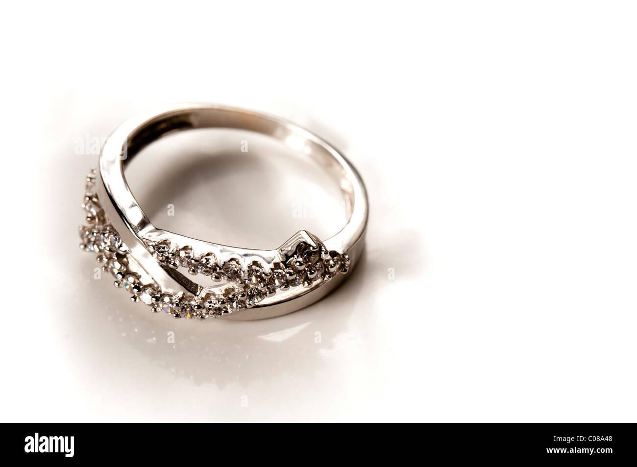 En Blanc Plusieurs Or Banque Bague De D Diamants Fiançailles Avec hQrBxdtCs