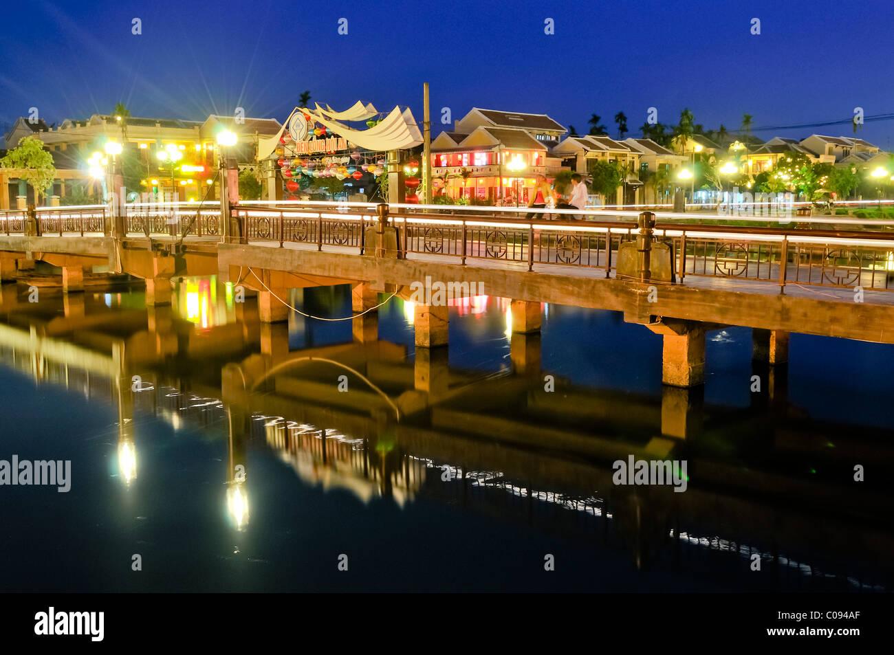 Pont sur la rivière Thu Bon, Hoi An, Vietnam, Southeast Asia Photo Stock