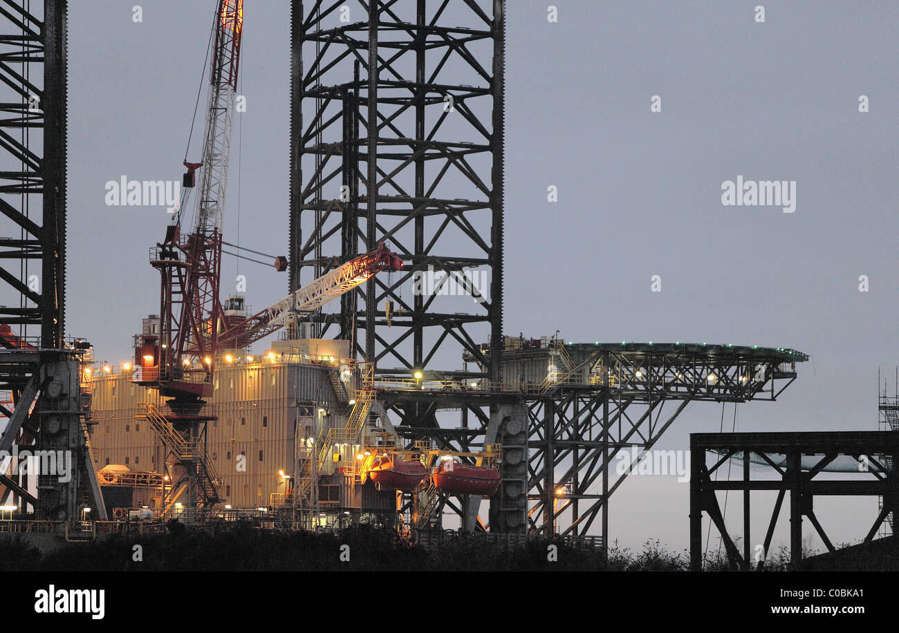 Close up of Oil Rig dans Dundee Docks,V&A à Dundee Photo Stock