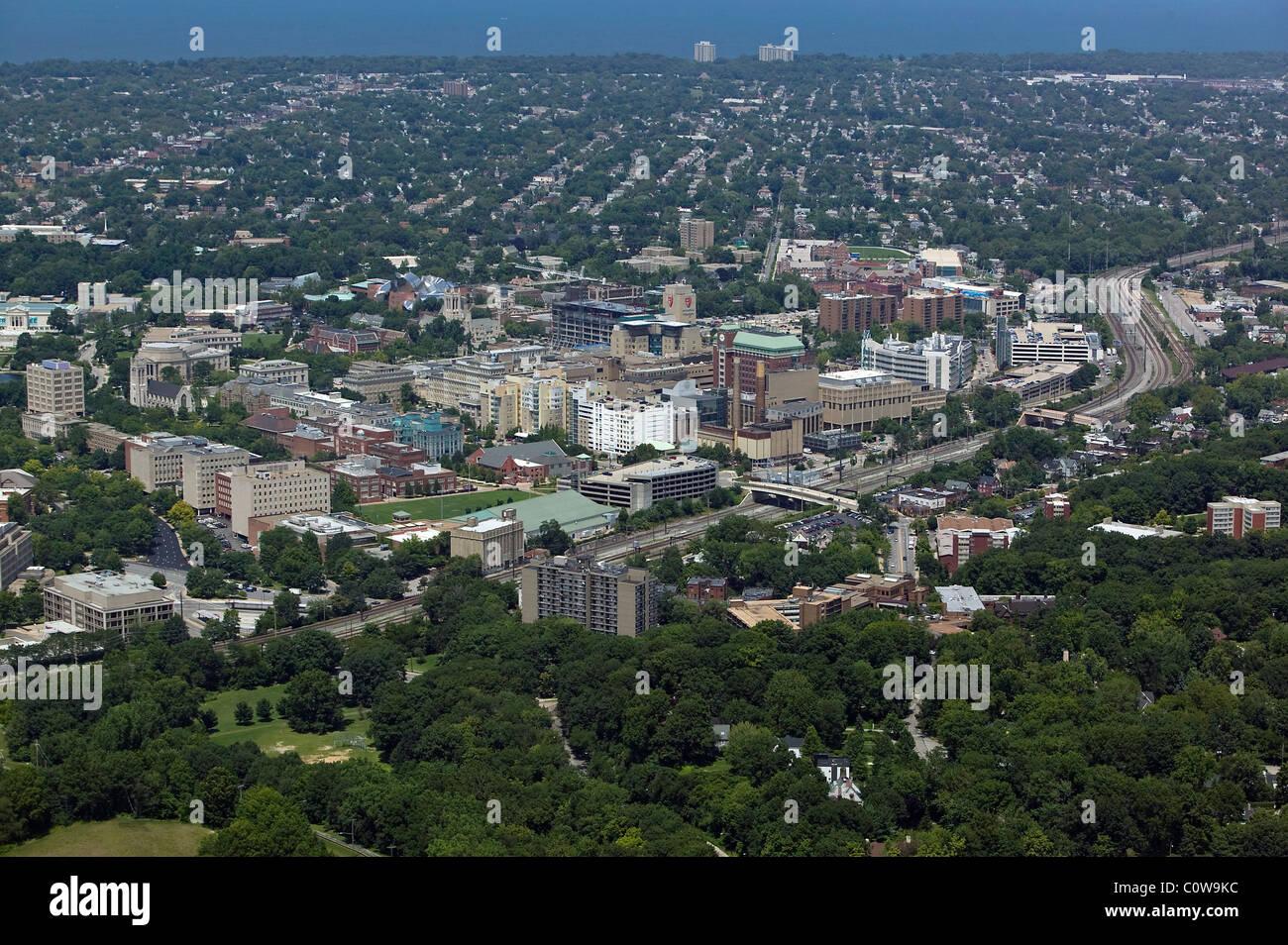 Vue aérienne au-dessus du campus médical clinique de Cleveland en Ohio Photo Stock