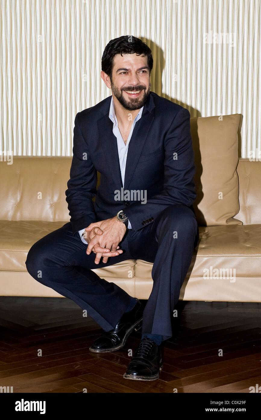 01.03.2011, Milan, photocall du film 'La vita facile'. Pierfrancesco Favino Photo Stock
