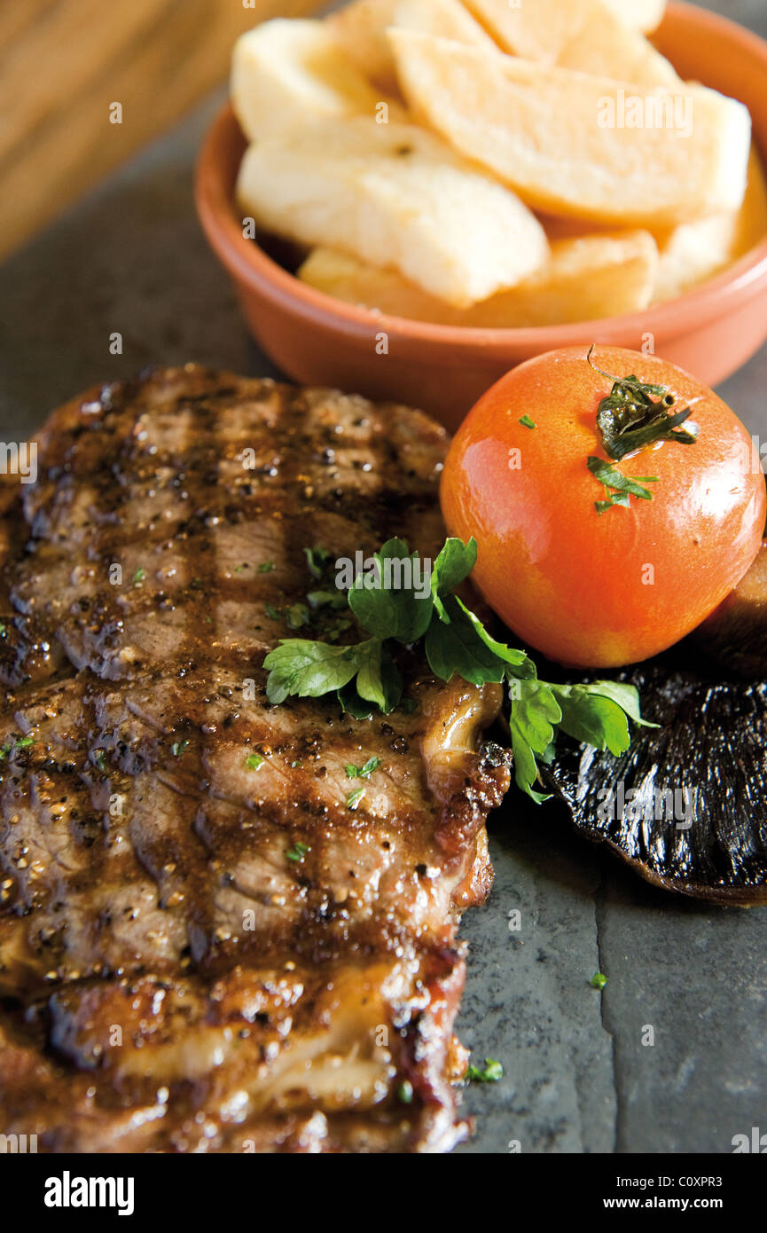 Bifteck de faux-filet cuit Photo Stock