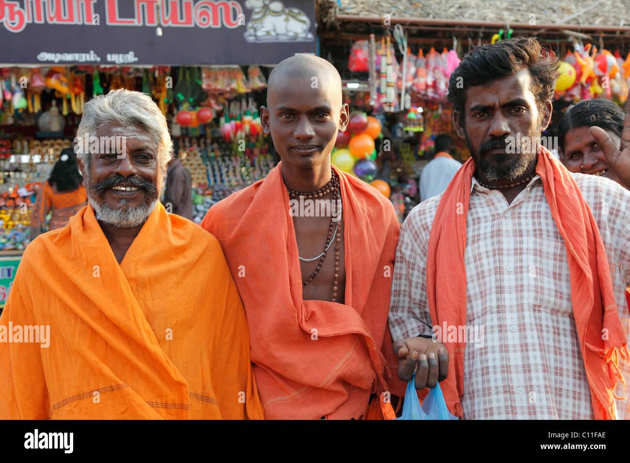 Les hommes de trois générations, Festival Thaipusam, fête hindoue, Palani, Tamil Nadu, Tamilnadu, Photo Stock