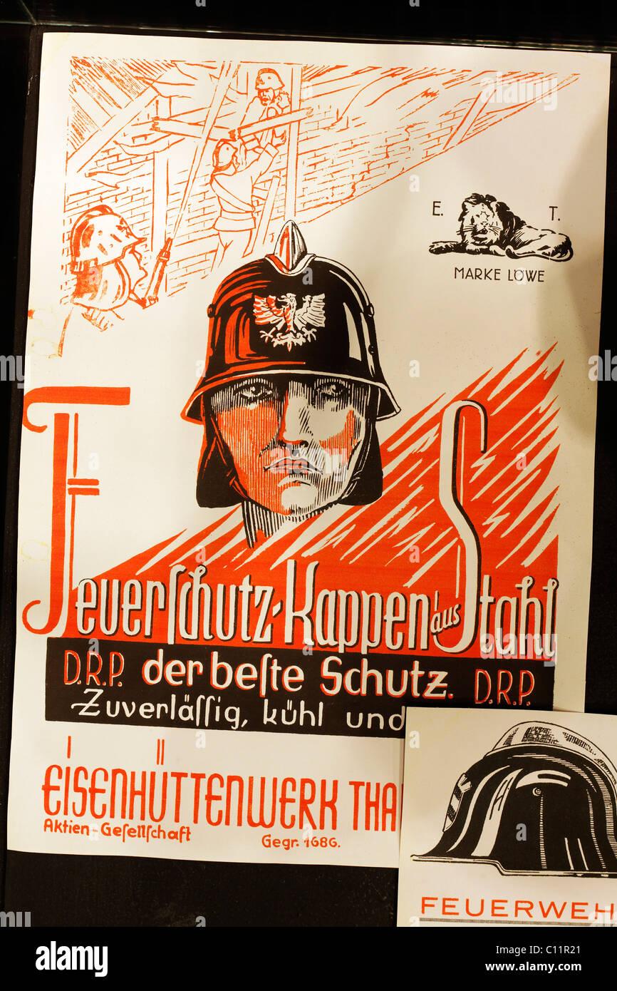 Avec l'homme d'acier historique fire helmet, titre illustration d'une brochure publicitaire, Huettenmuseum Photo Stock
