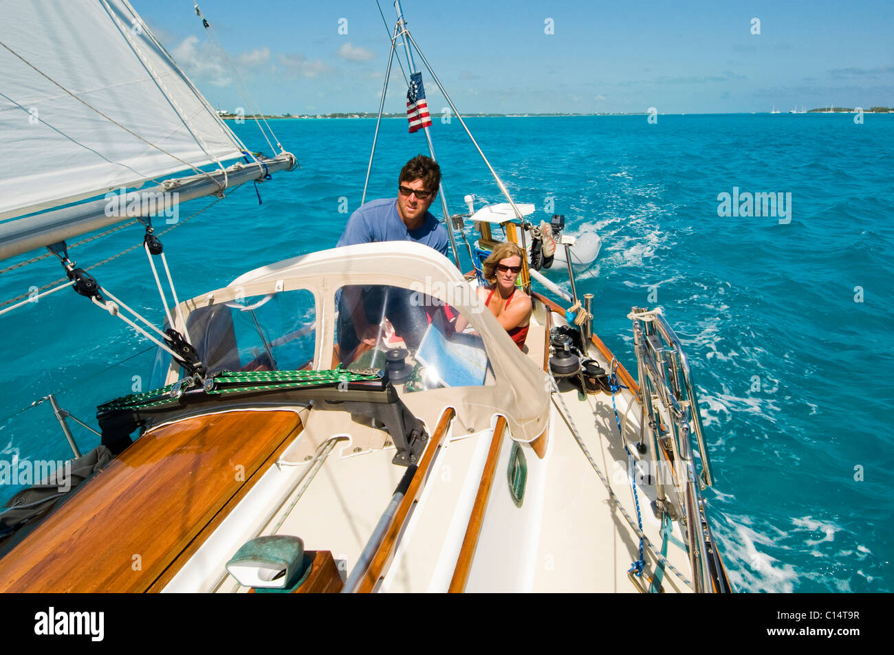 Une famille pour une journée en mer à Georgetown, Exuma Photo Stock