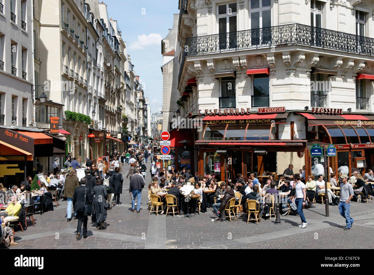 street caf magasins rue montorgueil 2 arrondissement centre ville paris france europe. Black Bedroom Furniture Sets. Home Design Ideas
