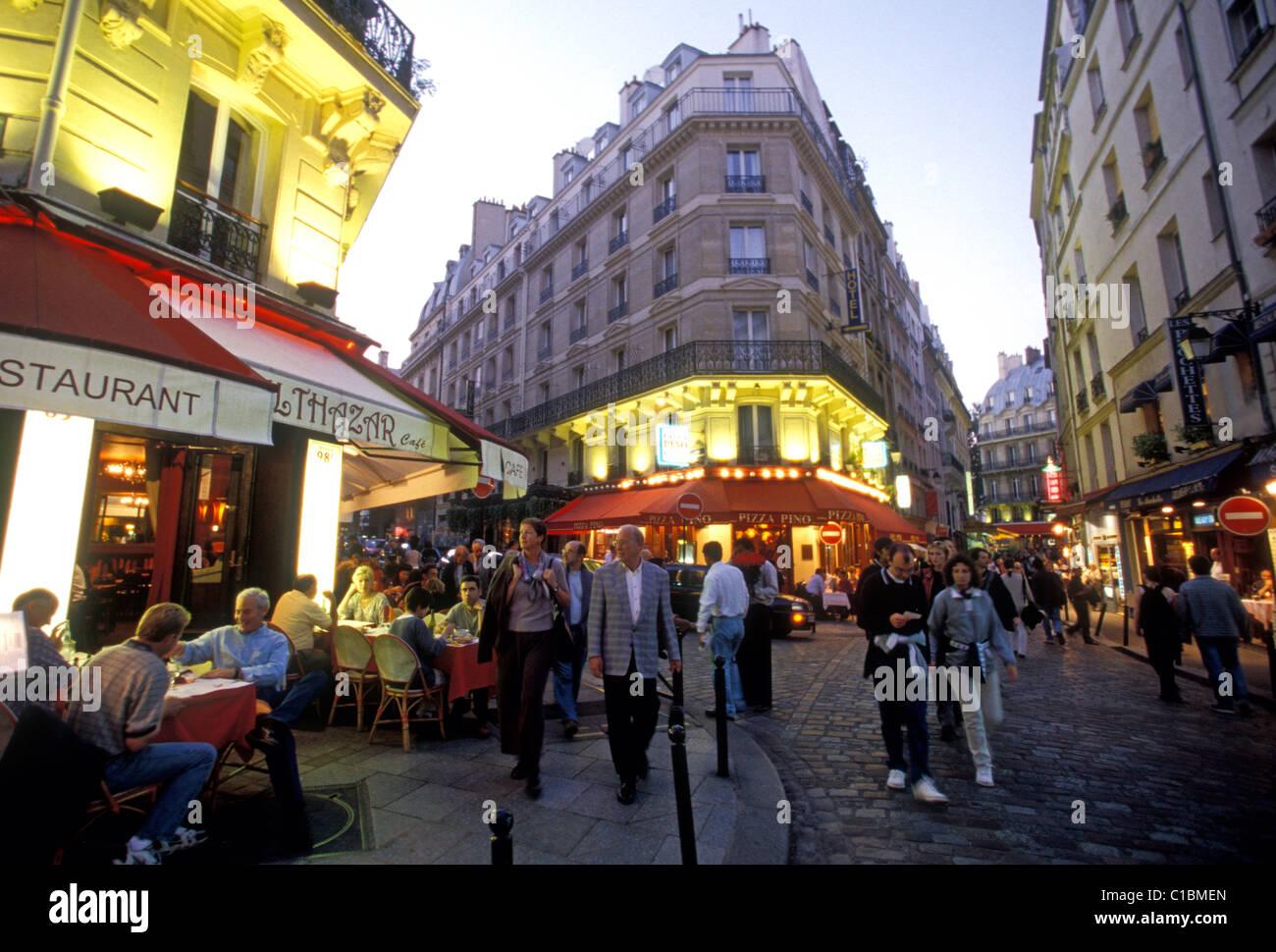 Les Francais Les Touristes Restaurants Vie Nocturne