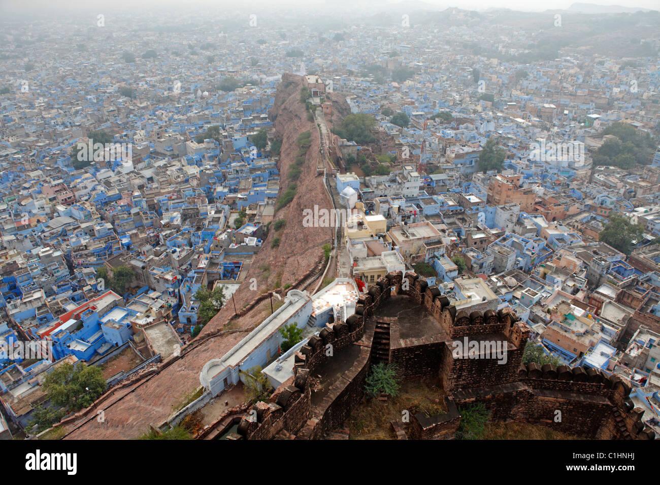 Jodhpur, également connu sous le nom de la ville bleue, vu de Fort Mehrangarh, Rajasthan, Inde Banque D'Images