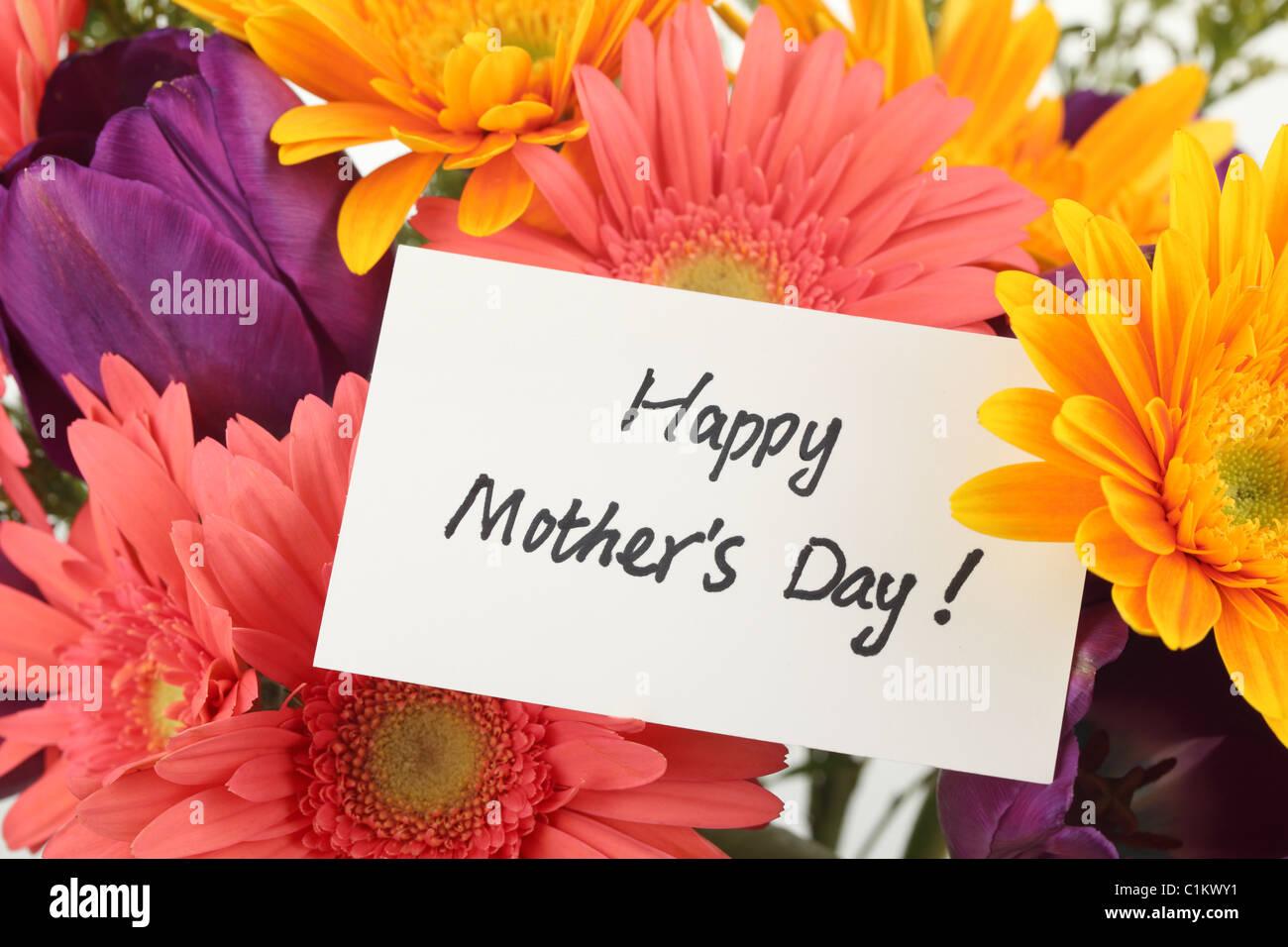 Concept de la Fête des mères-- carte postale avec des fleurs colorées contexte Photo Stock
