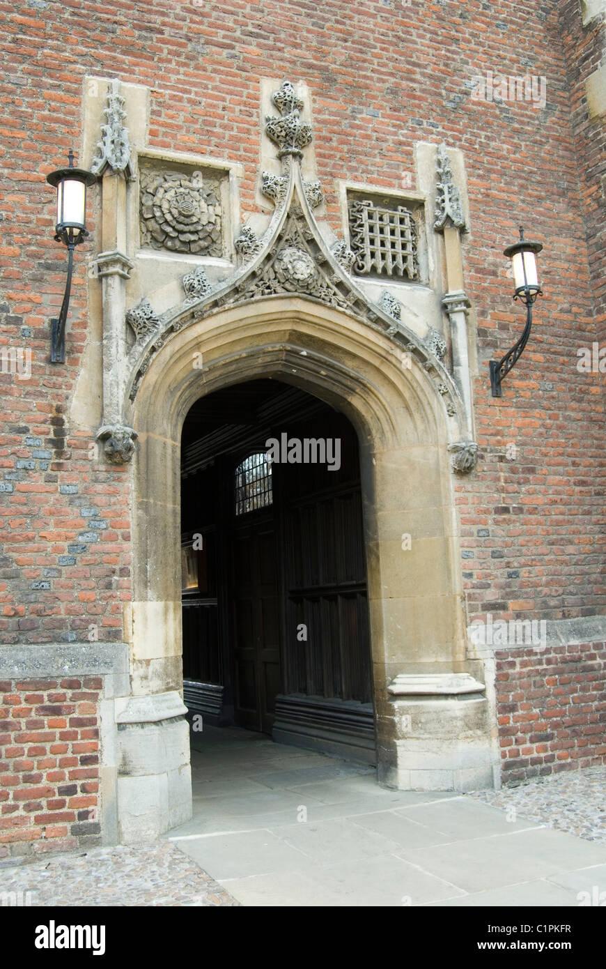 L'Angleterre, Cambridge, St John's College Chapel, entrée privée Photo Stock