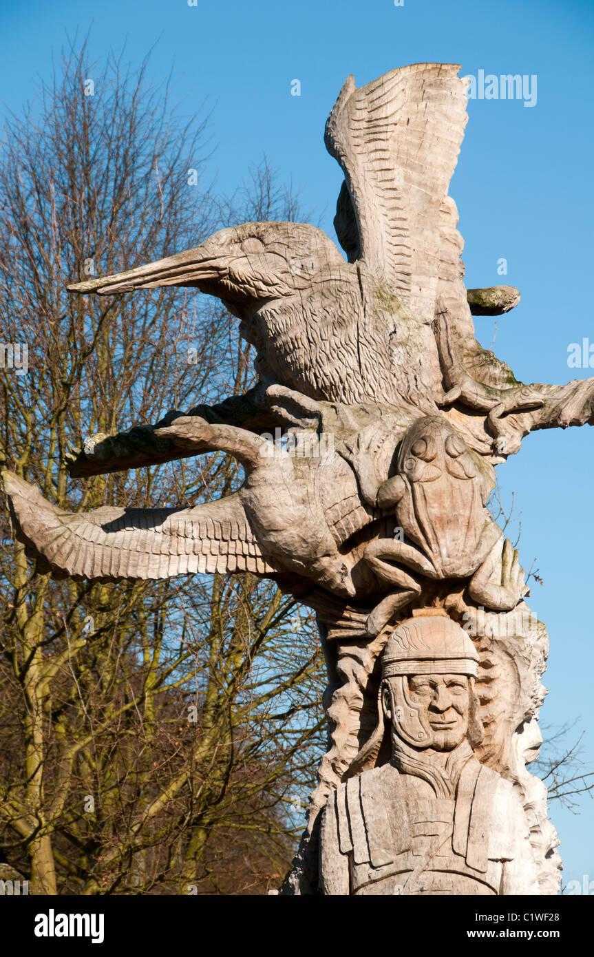 la sculpture sur bois sculpture r alis e partir d 39 un tronc d 39 arbre ferry meadows nene park. Black Bedroom Furniture Sets. Home Design Ideas