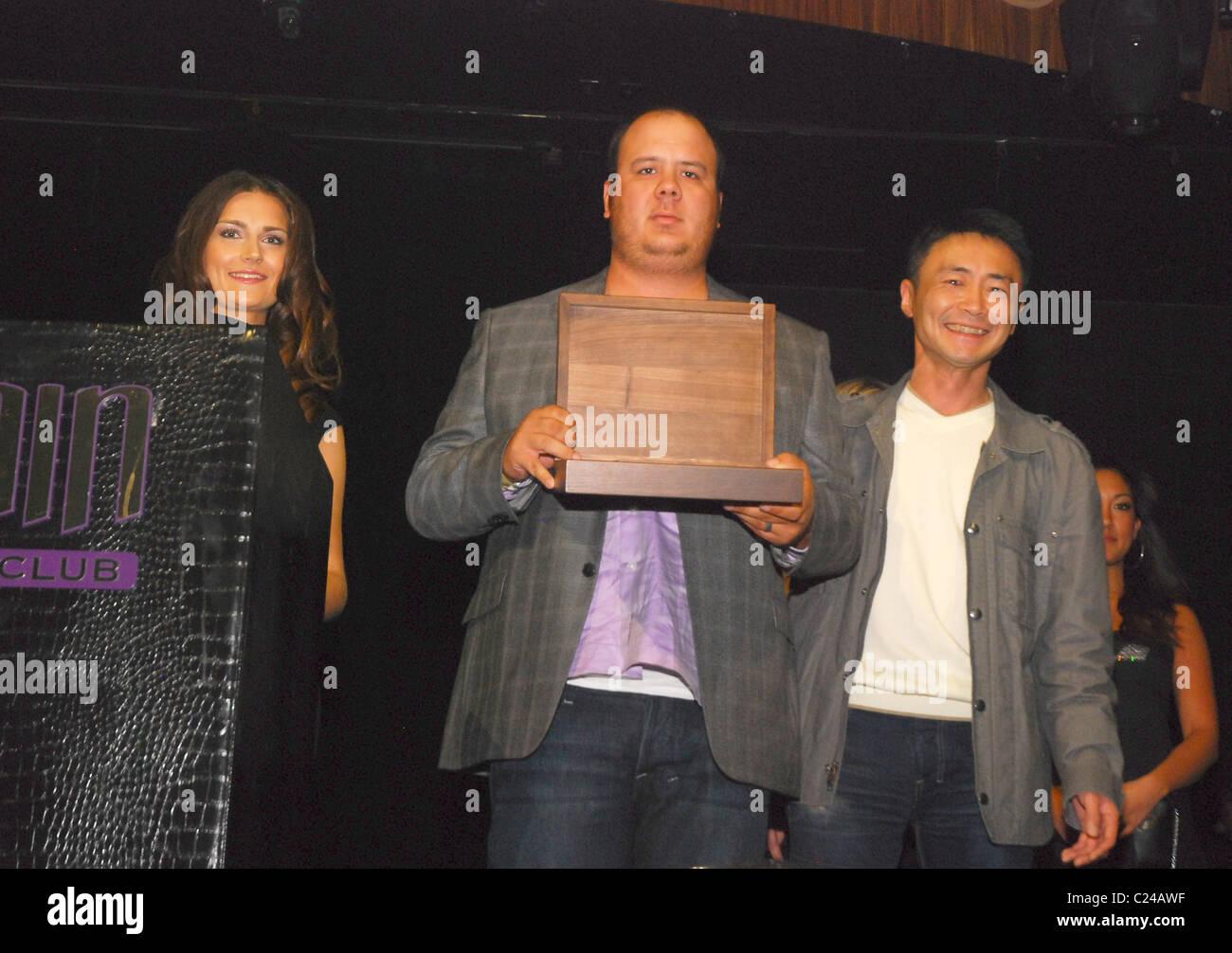 Et Kazunori Yamauchi réduite la SEMA 2009 Gran Turismo Awards de Las Vegas, Nevada - 04.11.09 Banque D'Images