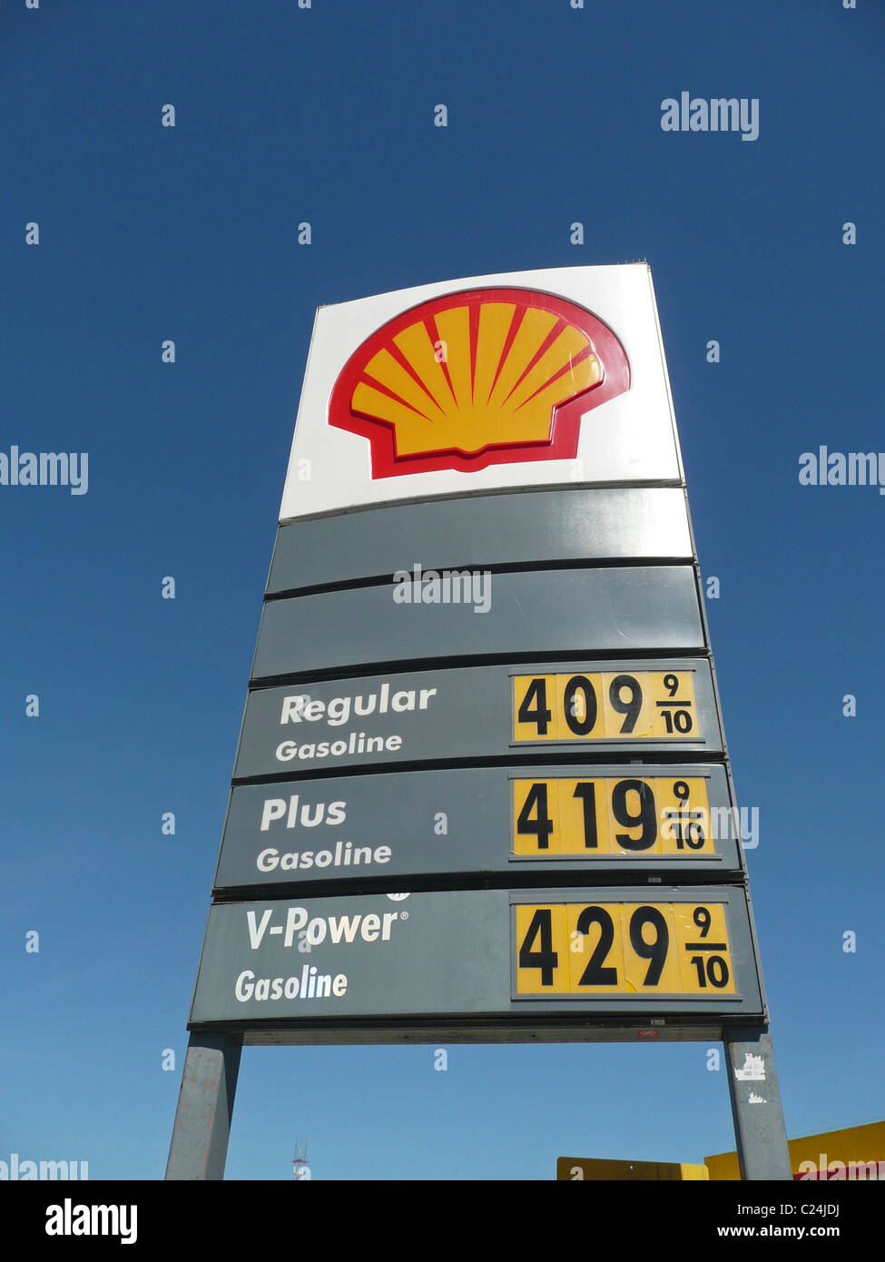 shell gas sign photos shell gas sign images alamy. Black Bedroom Furniture Sets. Home Design Ideas