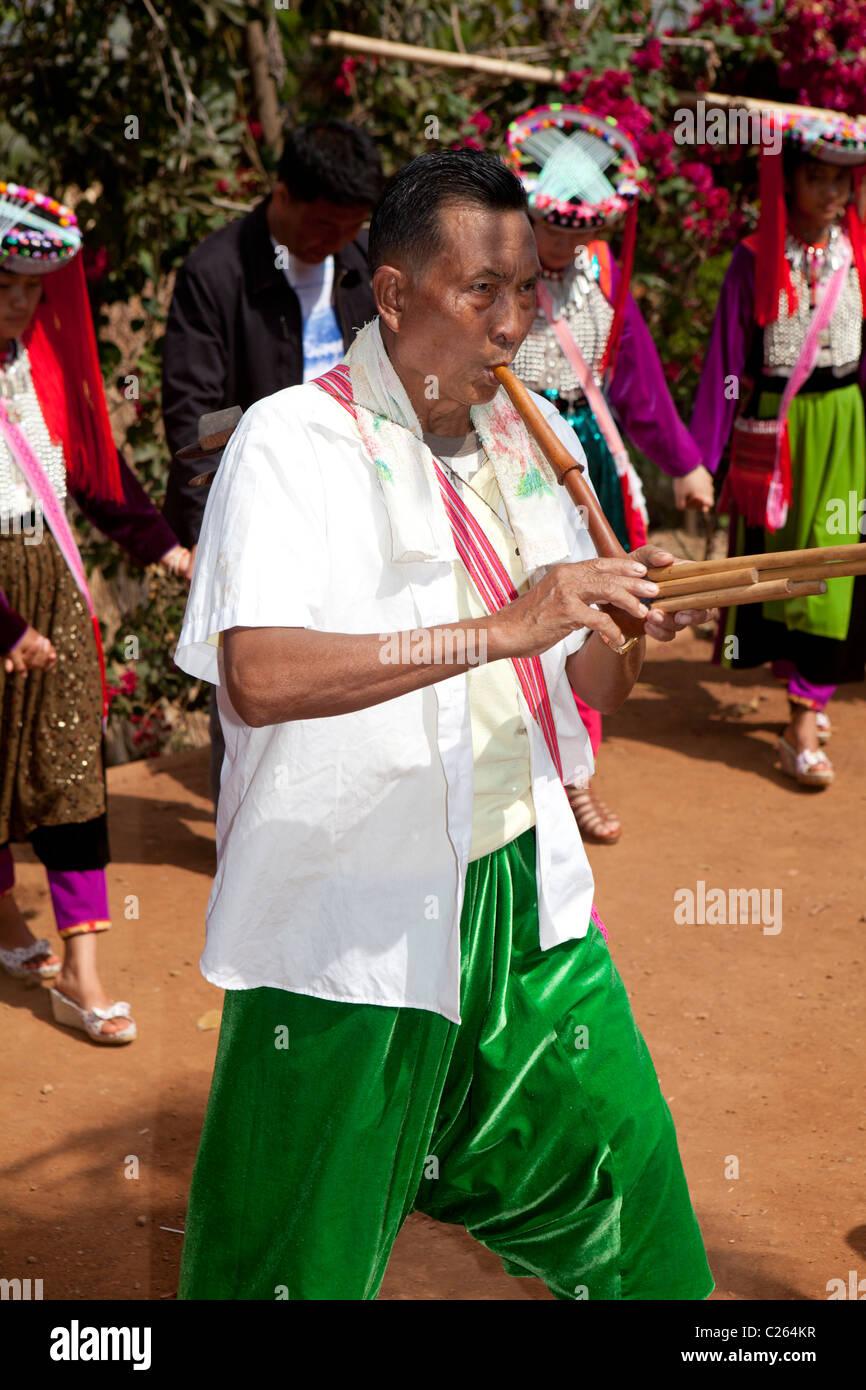 Tribus Lisu, chef de l'instrument pour la danse fête du nouvel an, Ban Ko Hay, Mae Salong, Chiang Mai, Photo Stock