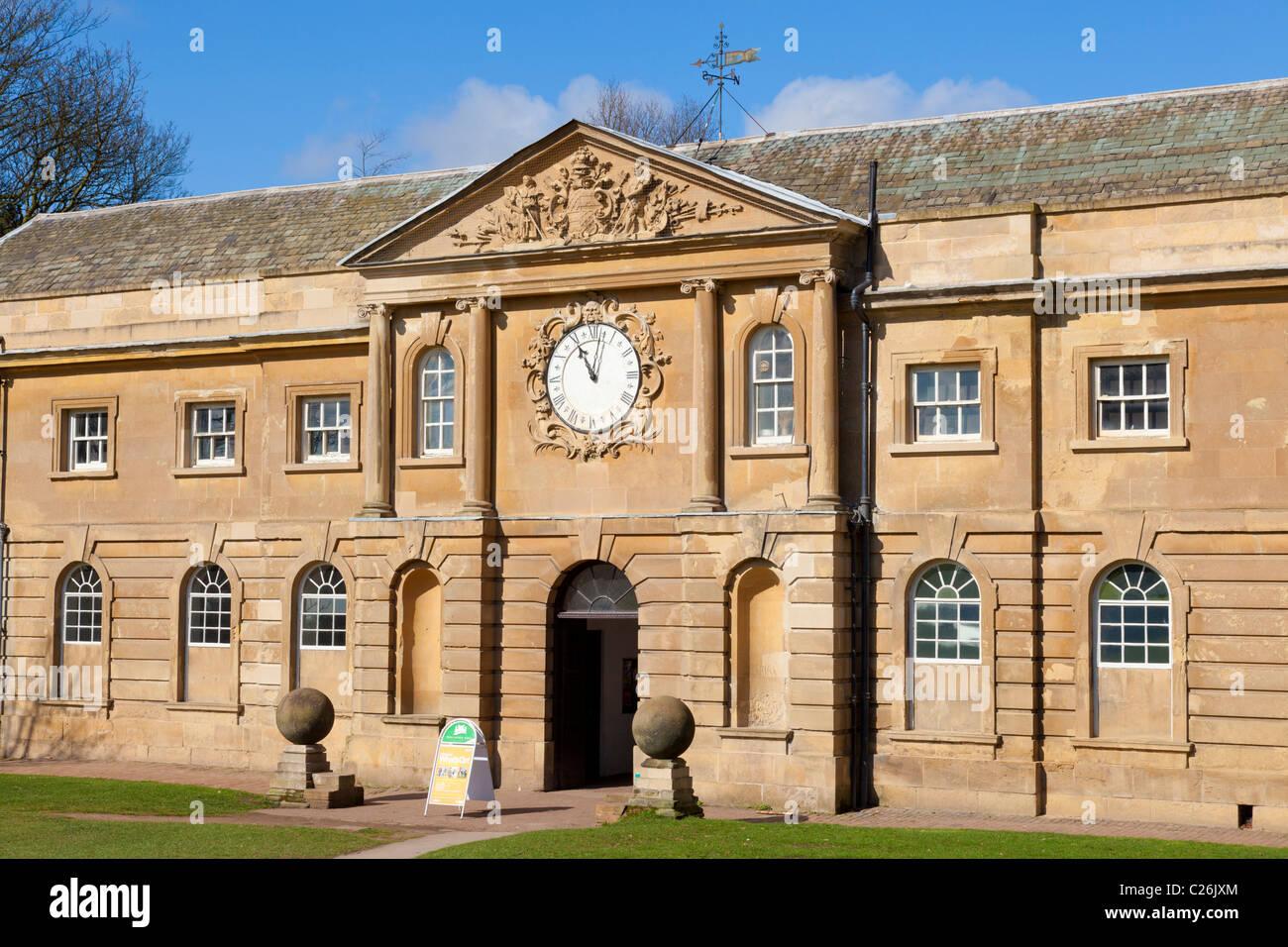 Musée des beaux-arts de cour industrielle et un centre de visiteurs du parc de Wollaton Nottingham Nottinghamshire Photo Stock