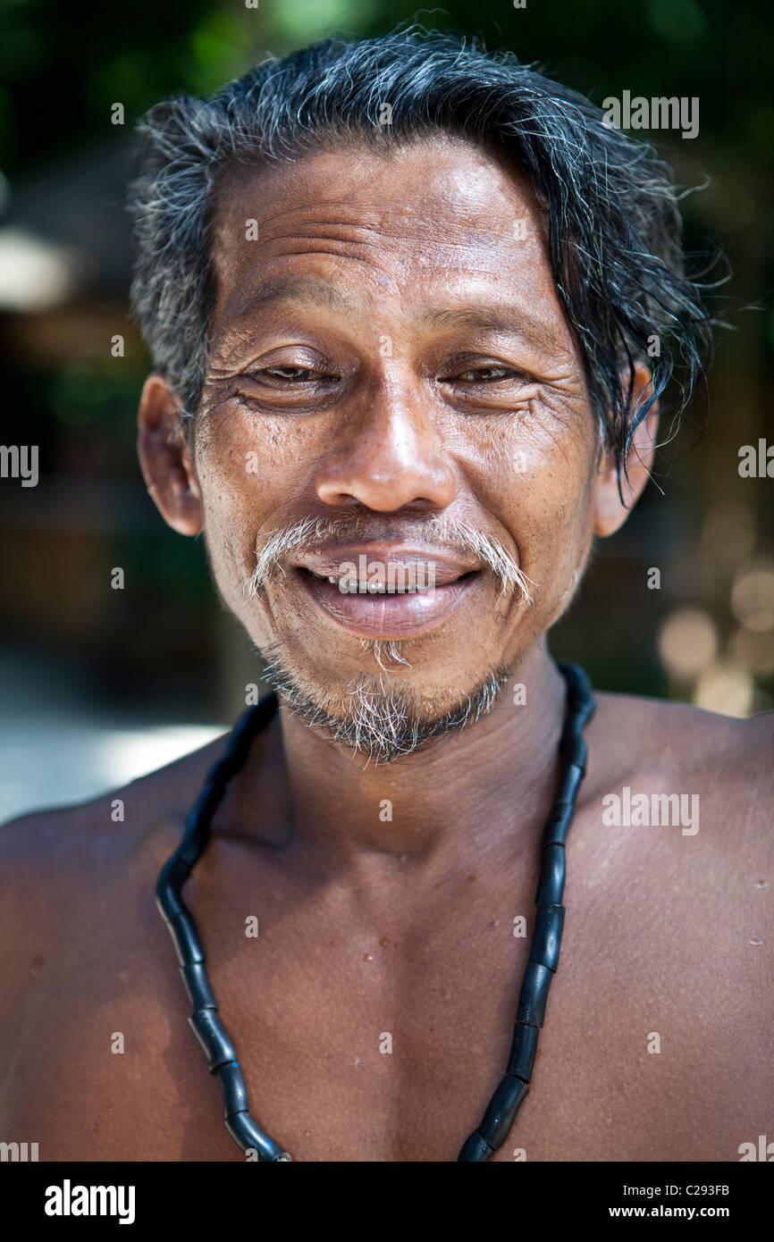 Sea Gypsy Moken chef portrait, Ko Surin, Thaïlande Phangnga Khuraburi Photo Stock