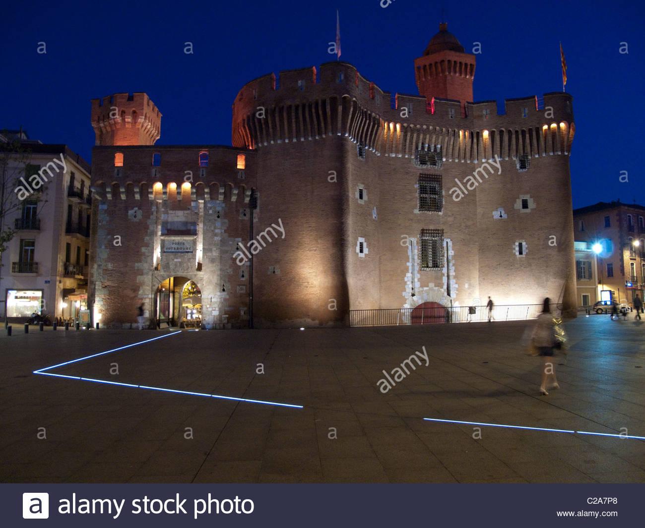 Le Castillet est l'emblème de Perpignan; la construction a commencé en 1368. Photo Stock