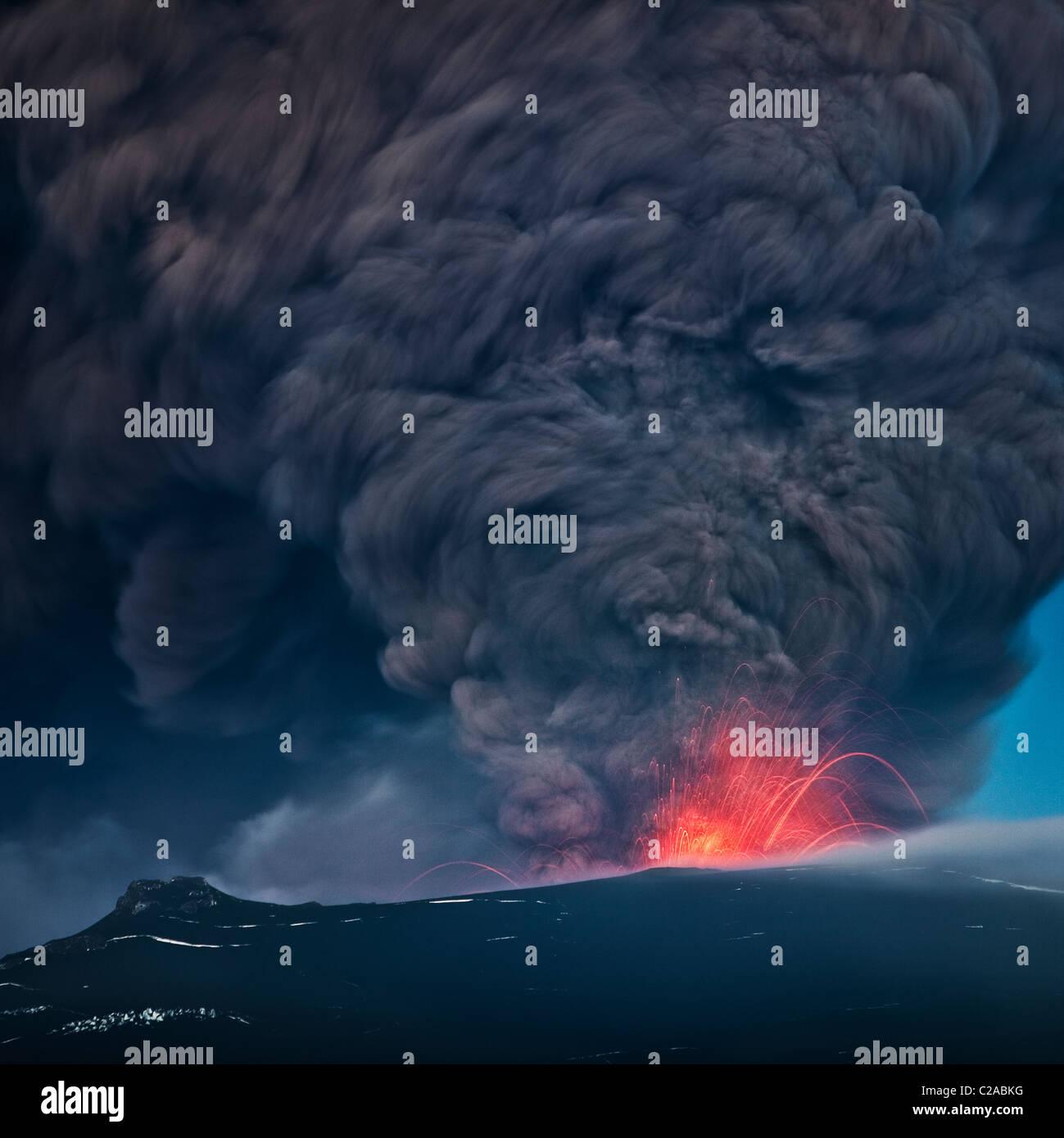 Panache de cendres de lave de Eyjafjallajokull éruption volcanique, avril 2010, l'Islande Photo Stock