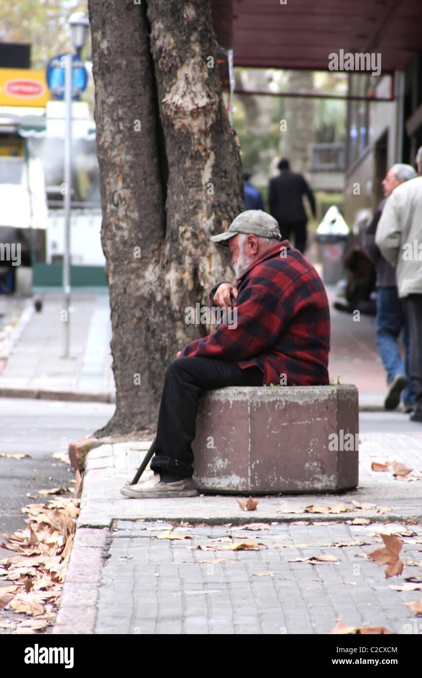 Vieil Homme au centre-ville de Montevideo Photo Stock