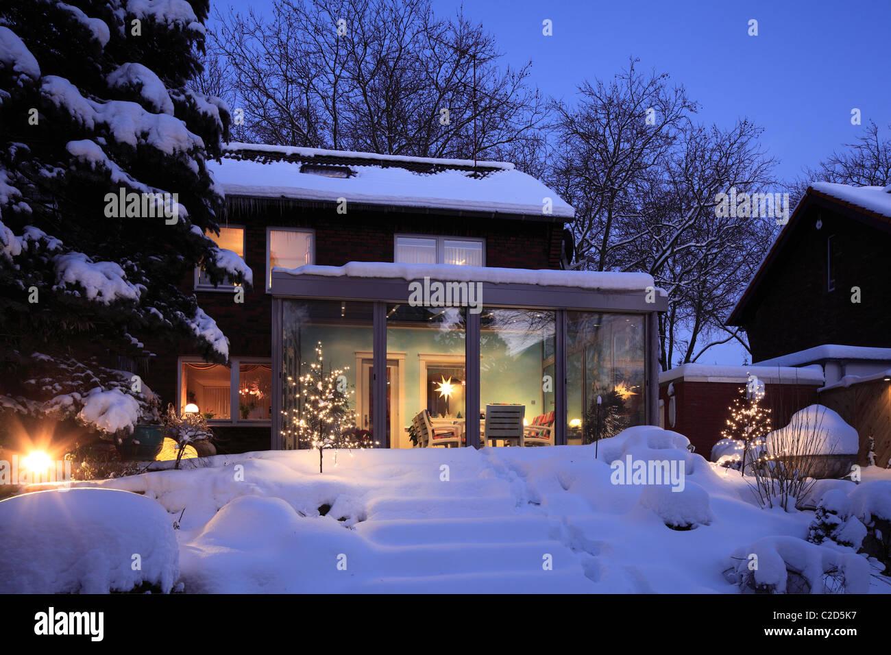 Maison D Habitation Avec Jardin D Hiver Maison Unifamiliale Maison