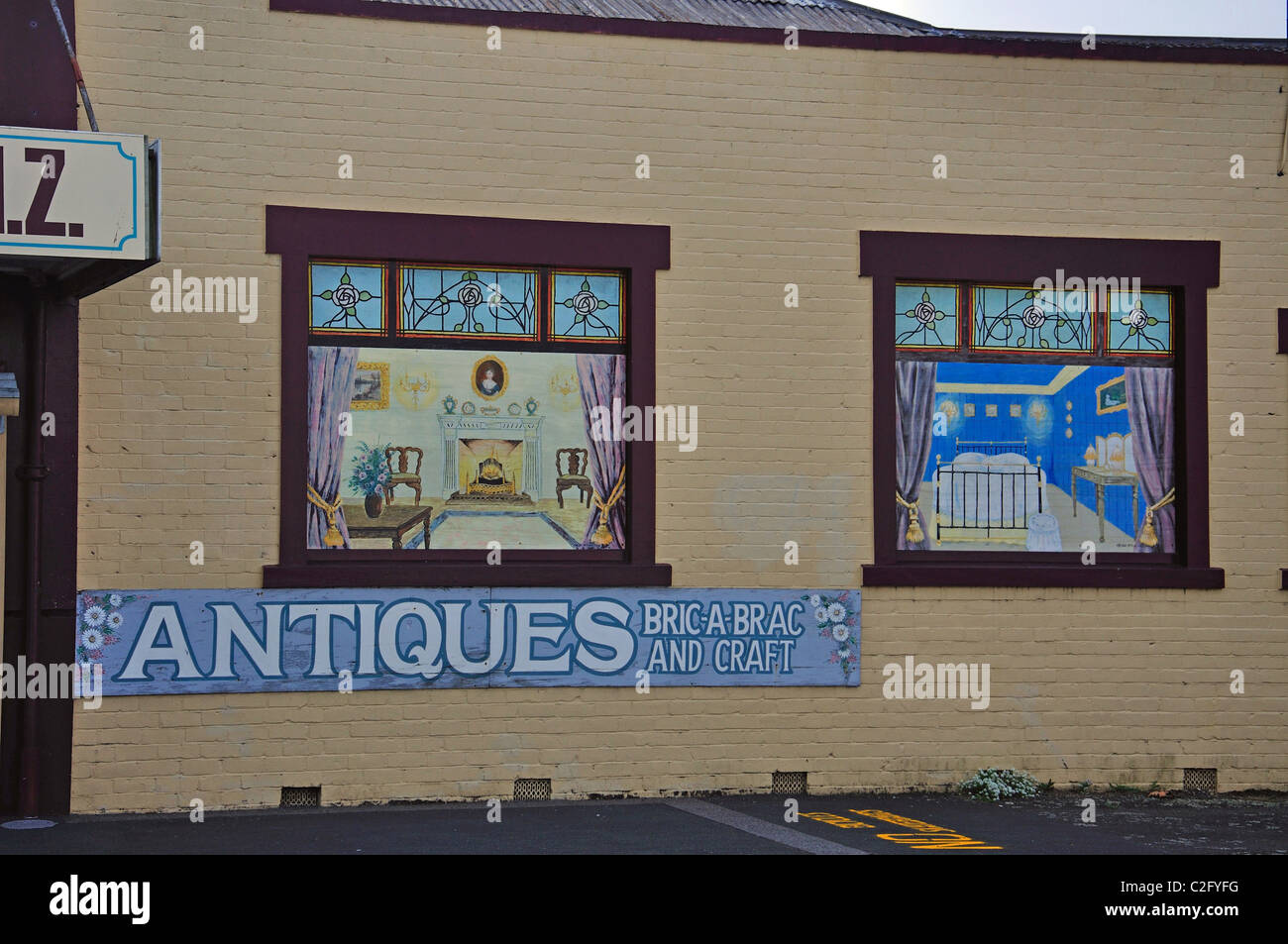 Arkwrights Antique Shop exterior, Belmont Road, Paeroa, de la région de Waikato, Nouvelle-Zélande, île Photo Stock