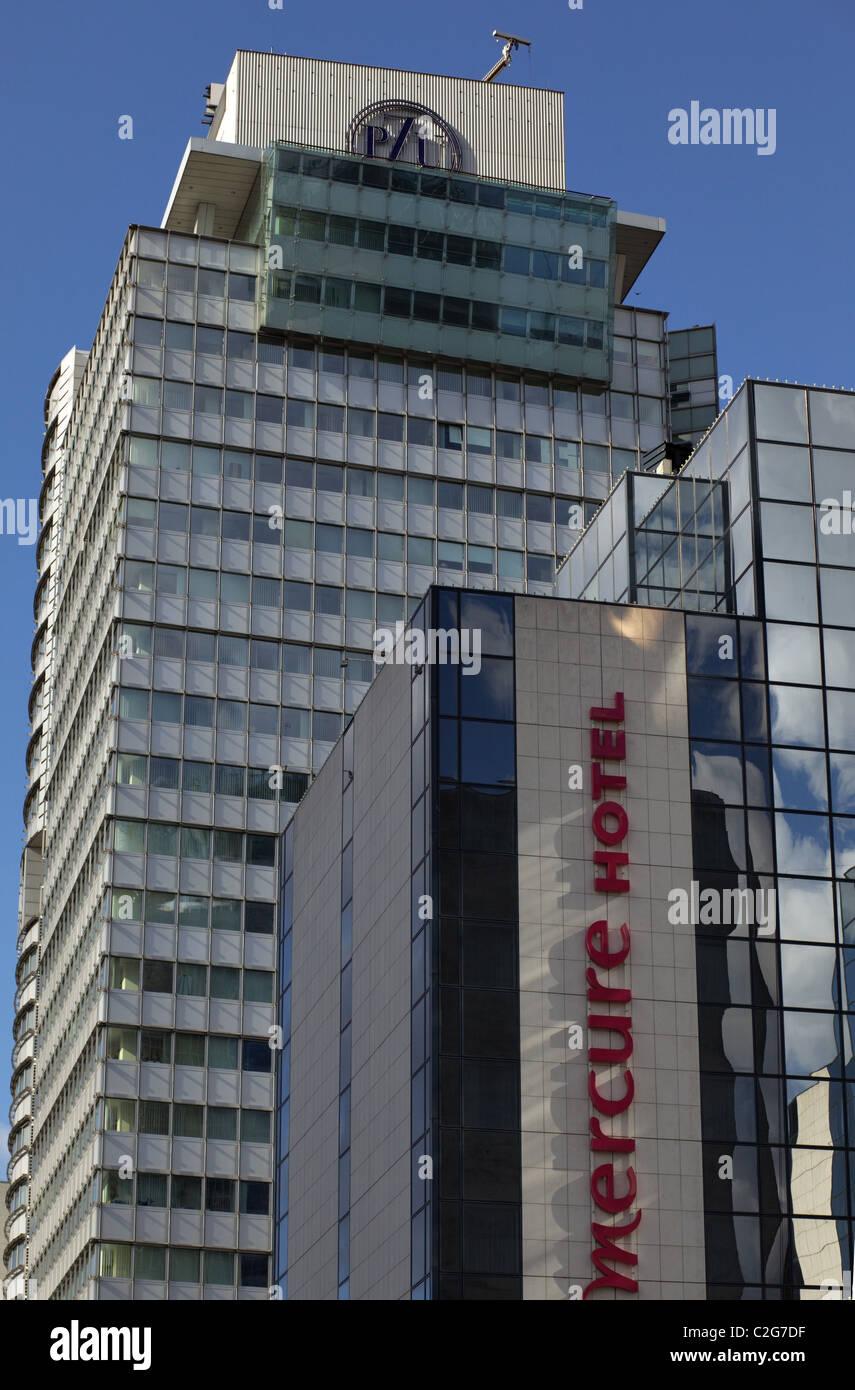 Immeuble de bureaux modernes Banque D'Images
