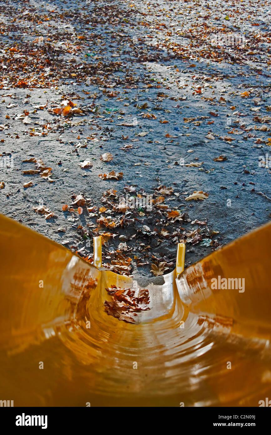 Glisser dans l'automne Banque D'Images
