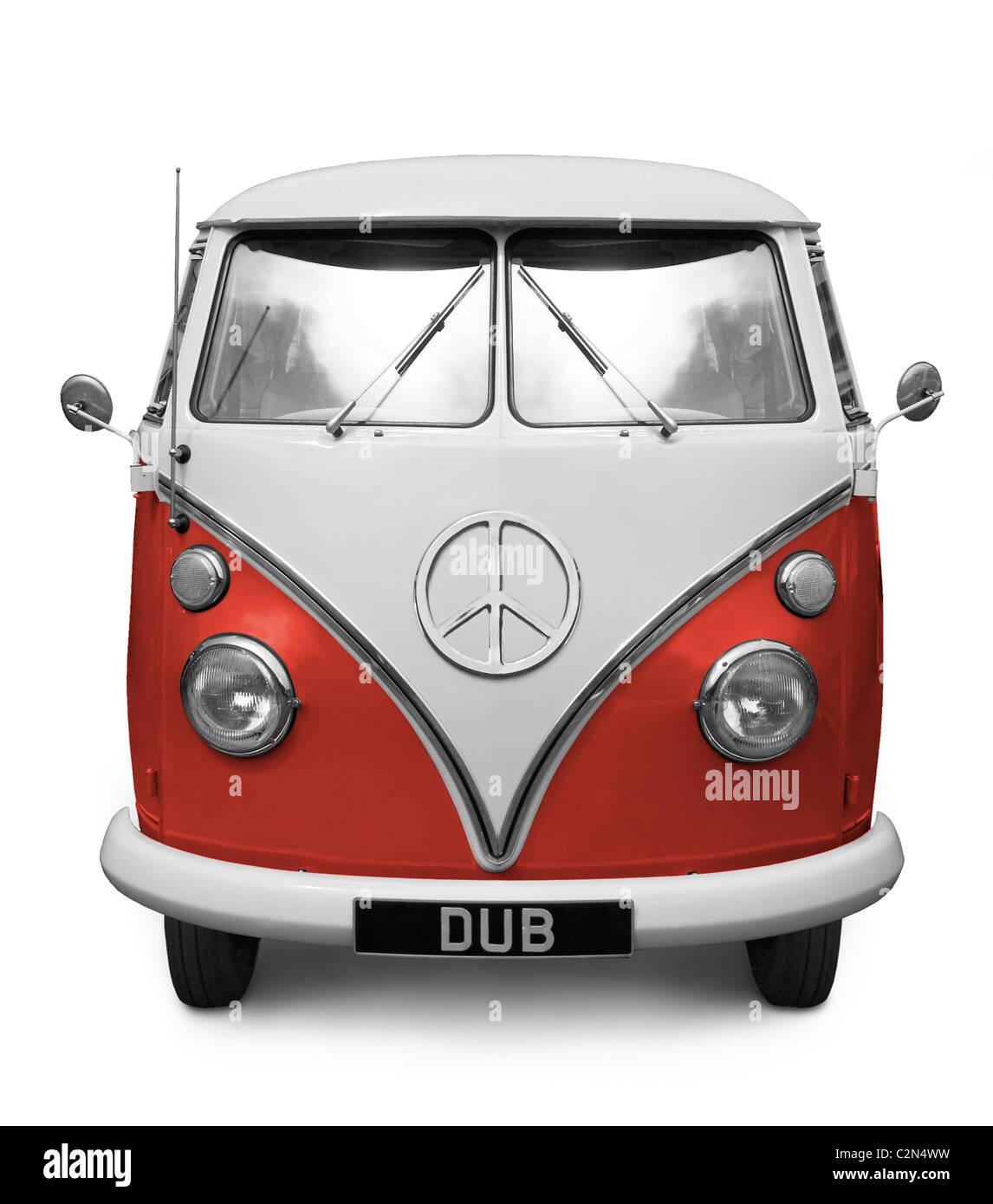 Camping-car rouge iconique avec symbole CND sur le devant. (La couleur peut être réglée à partir Photo Stock