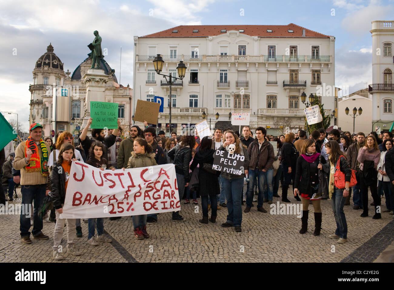 Banque mondiale, anti-pro-jobs protester à Coimbra, Portugal Photo Stock