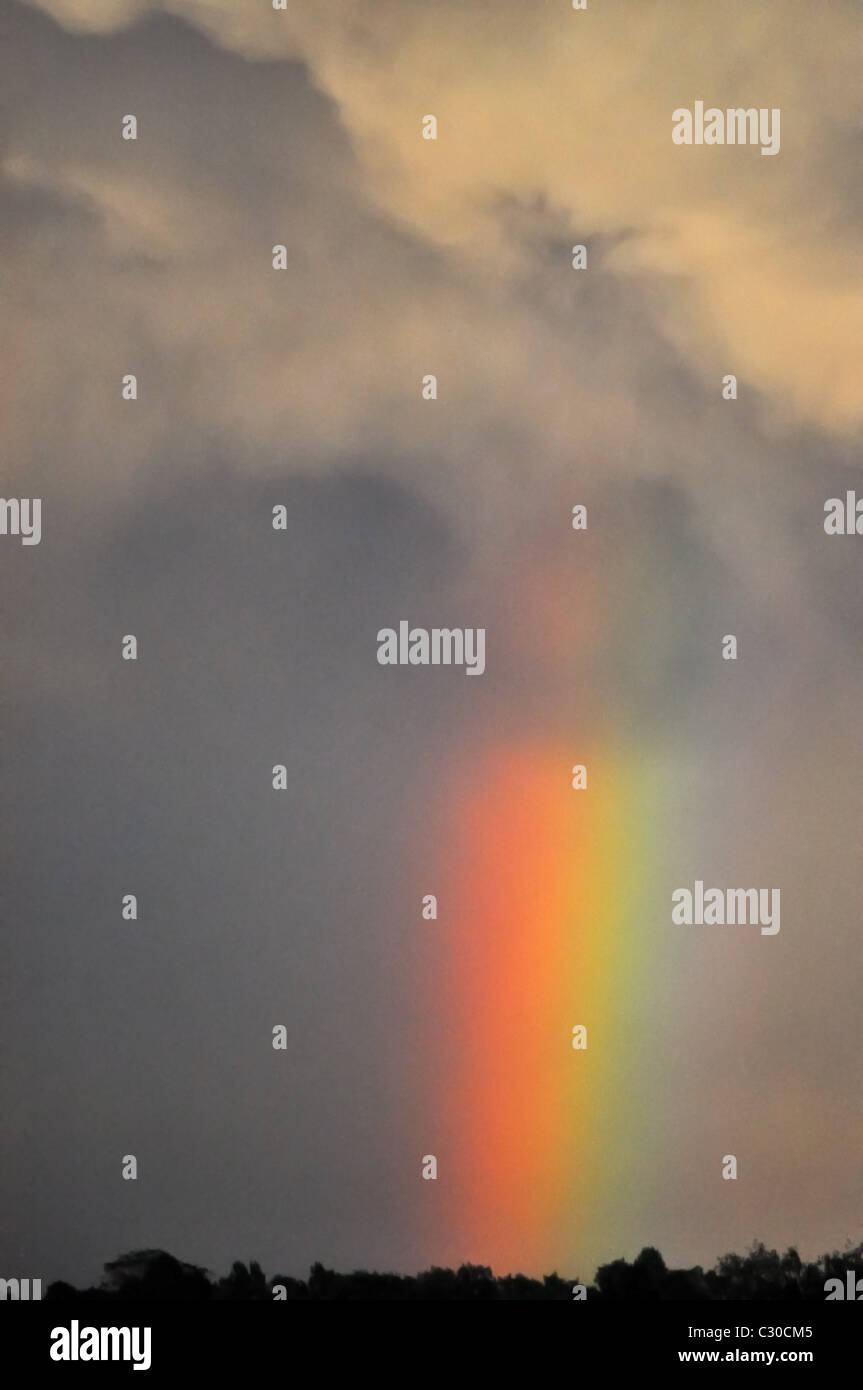 Ciel d'orage avec rainbow Photo Stock