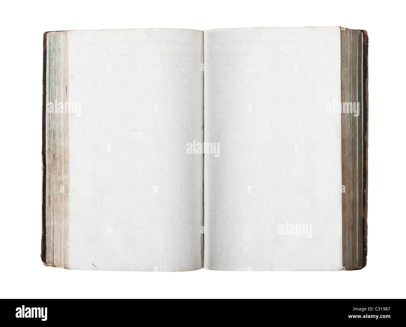 Vieux livre ouvert avec les pages vides isolé sur fond blanc Photo Stock