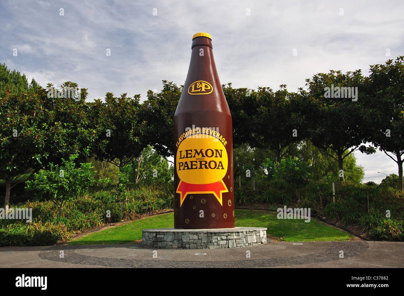 'Lemon géant & Paeroa' bouteille de soda, Paeroa, de la région de Waikato, Nouvelle-Zélande, Photo Stock