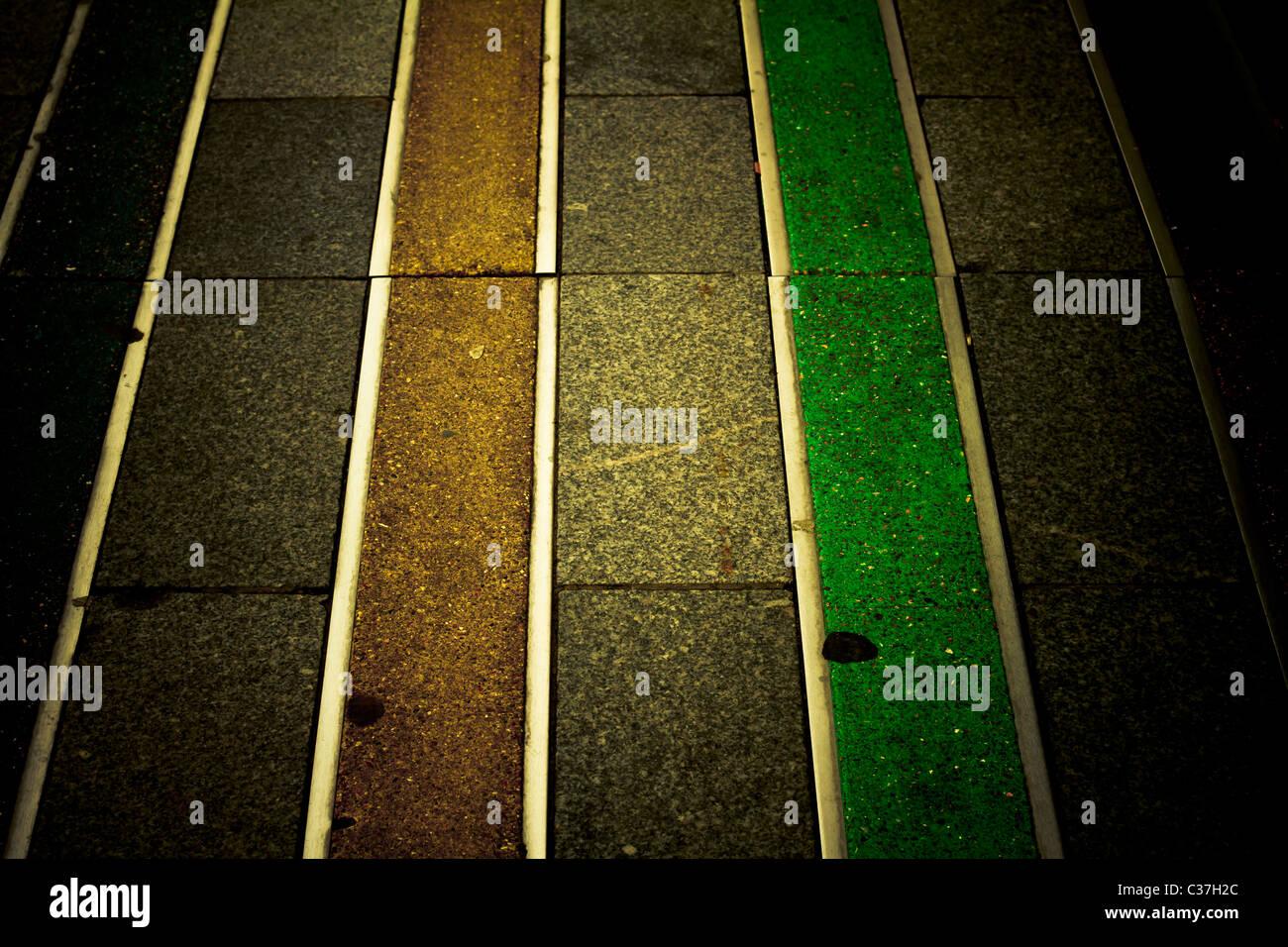 Motif de ligne de couleur sur la chaussée. Abstract. Photo Stock