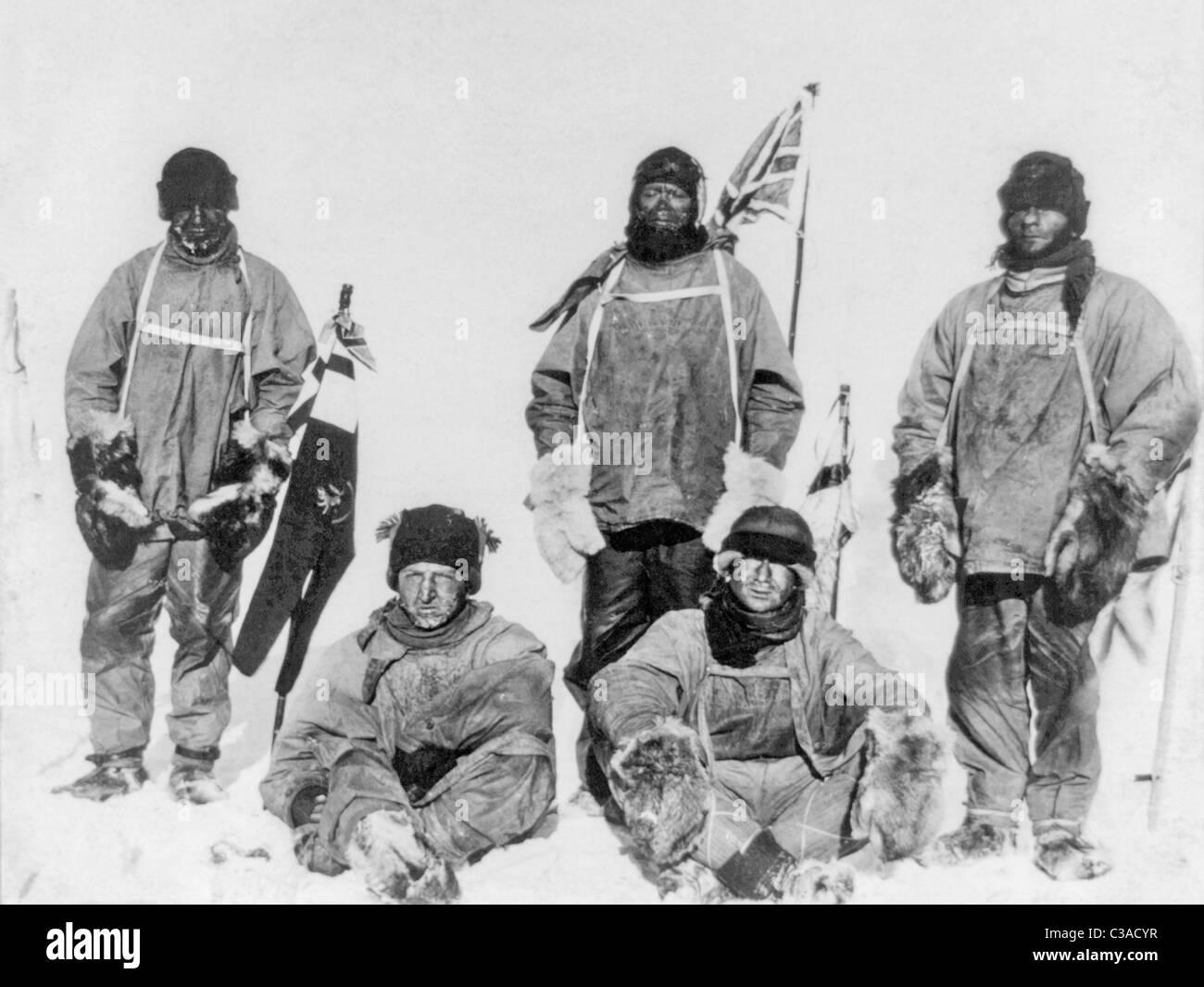 Robert Falcon Scott et les membres de son expédition Terra Nova de 1910 - 1913 au Pôle Sud en Antarctique Photo Stock