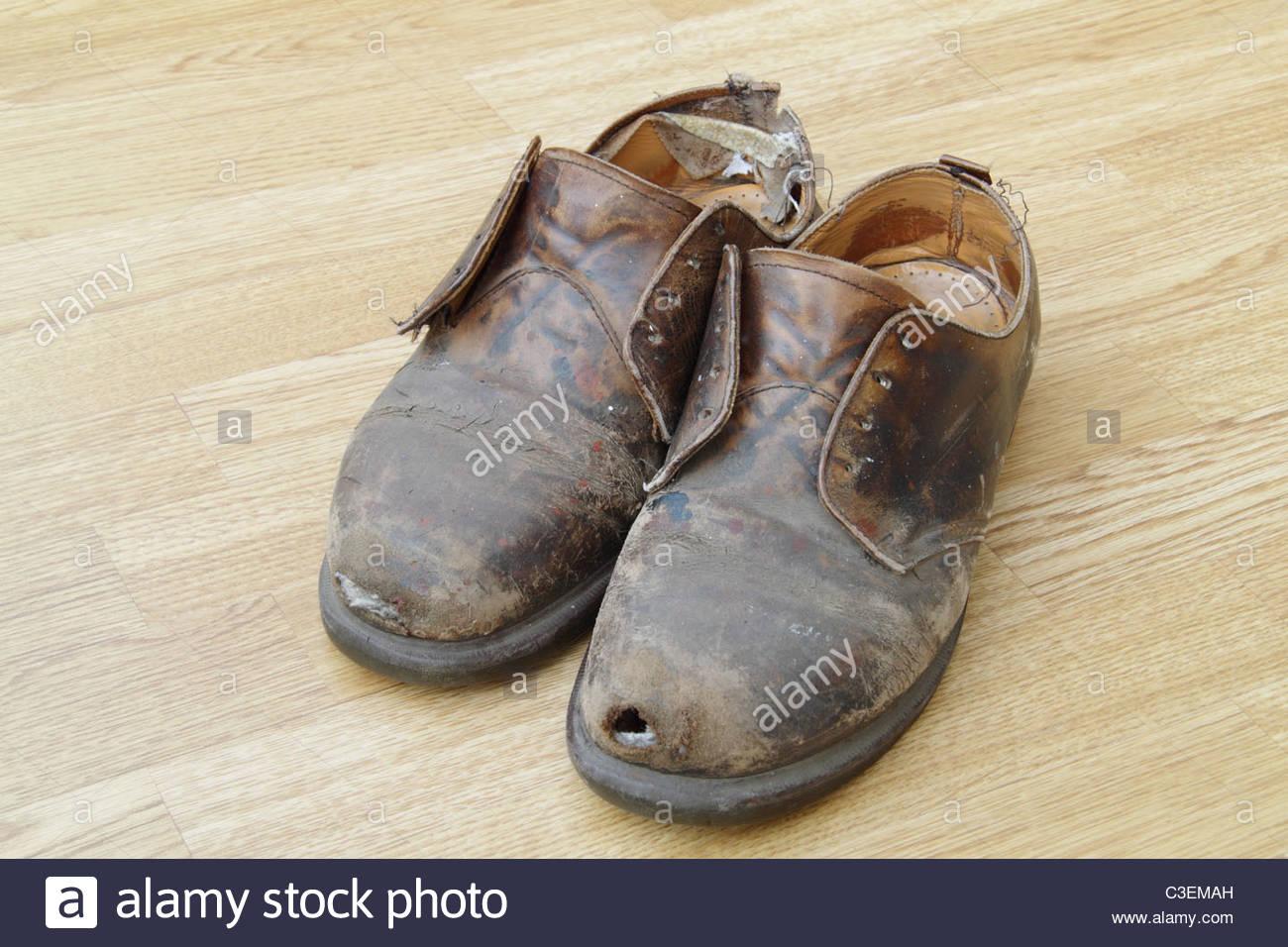 8a465675dc32e7 Vieilles chaussures Dr Martens Banque D'Images, Photo Stock ...