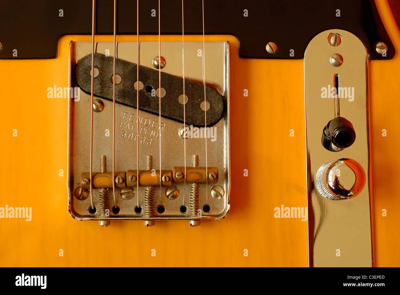 Guitare électrique Fender Telecaster. 1952 Nouvelle publication. Détail de pont et d'entraînement Photo Stock
