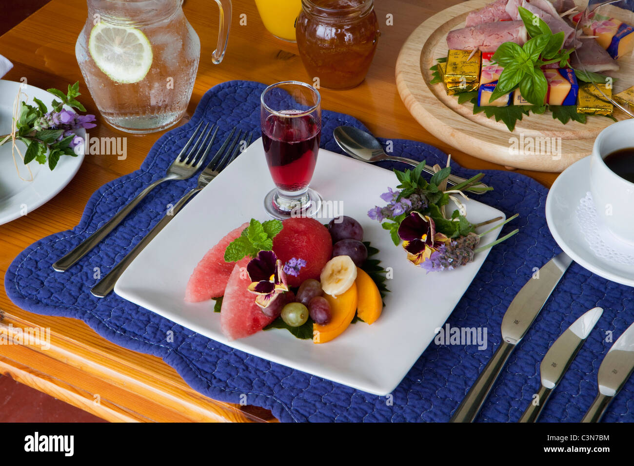 L'Afrique du Sud, Western Cape, Calitzdorp, Red Mountain. Le petit-déjeuner. Photo Stock