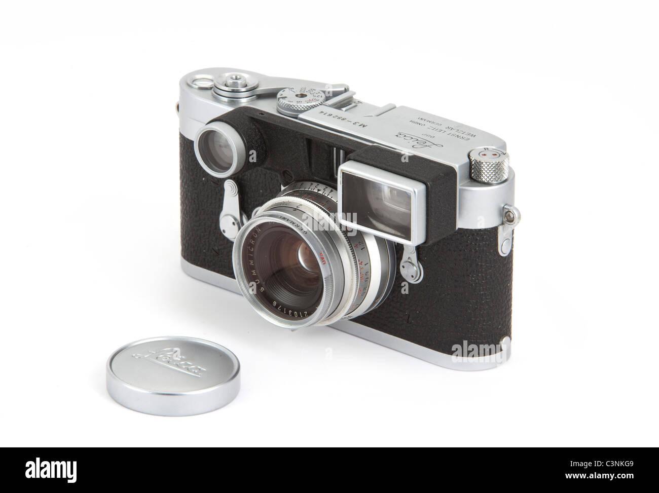 l 39 avant de l 39 appareil photo leica m3 classique body double stroke 1957 en argent 35mm f 2. Black Bedroom Furniture Sets. Home Design Ideas