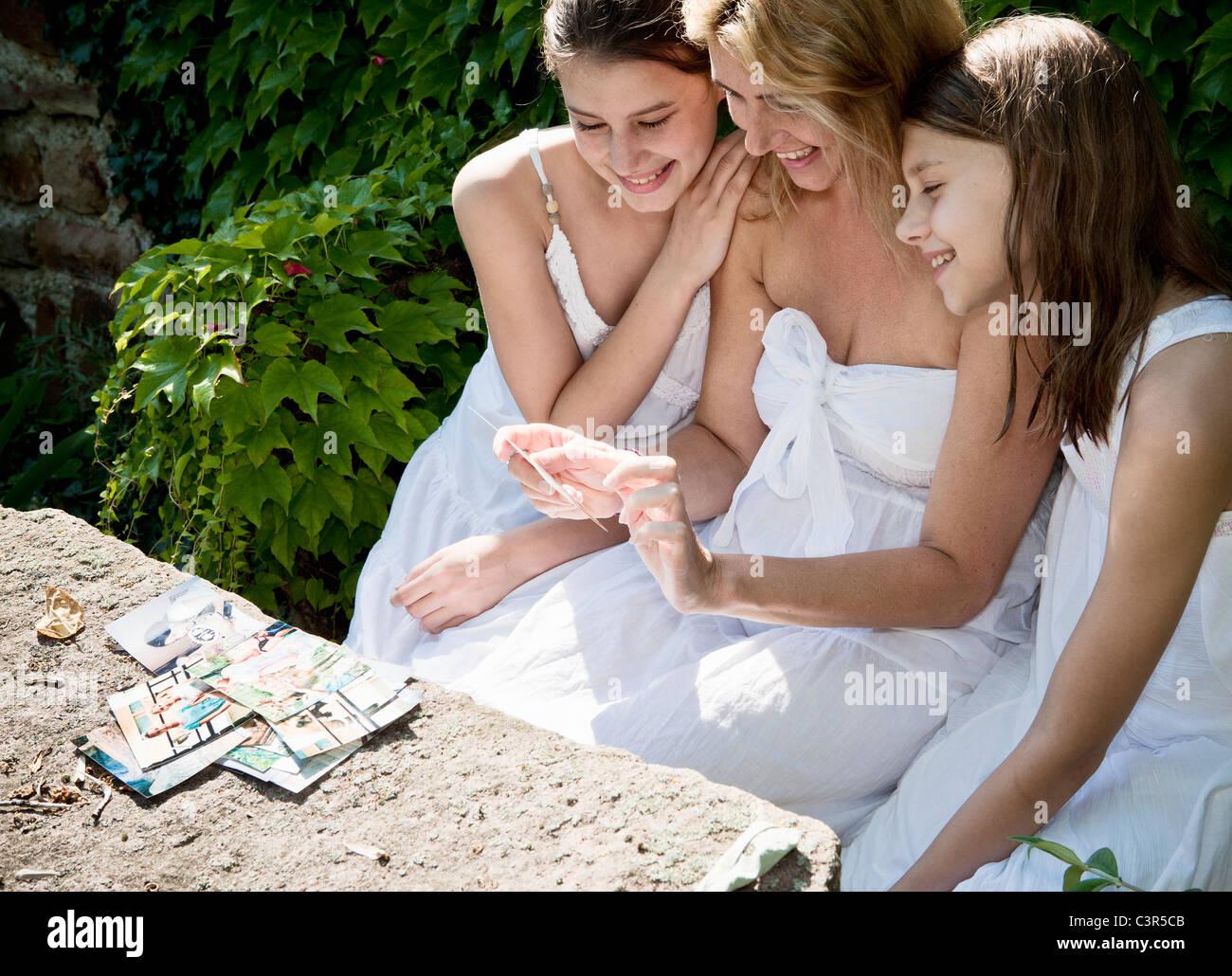 Mère et filles à la famille en photos Photo Stock