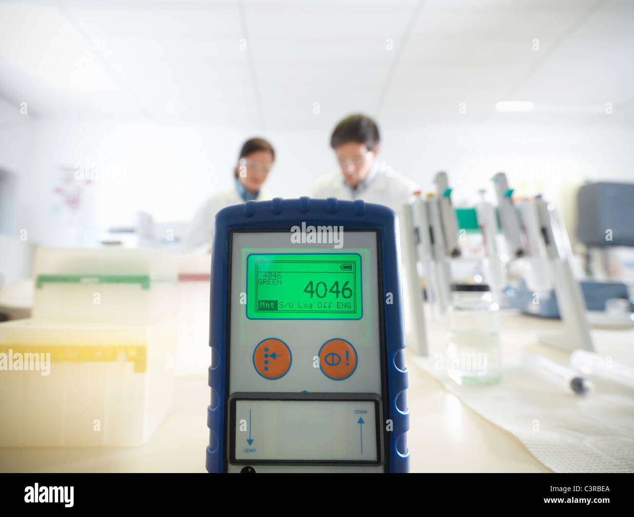 L'équipement de test électronique in lab Photo Stock