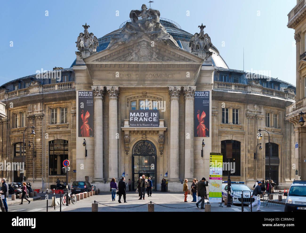 La Bourse de commerce dans le 1er Arrondissement est aujourd'hui occupé par la Chambre de Commerce, rue Photo Stock