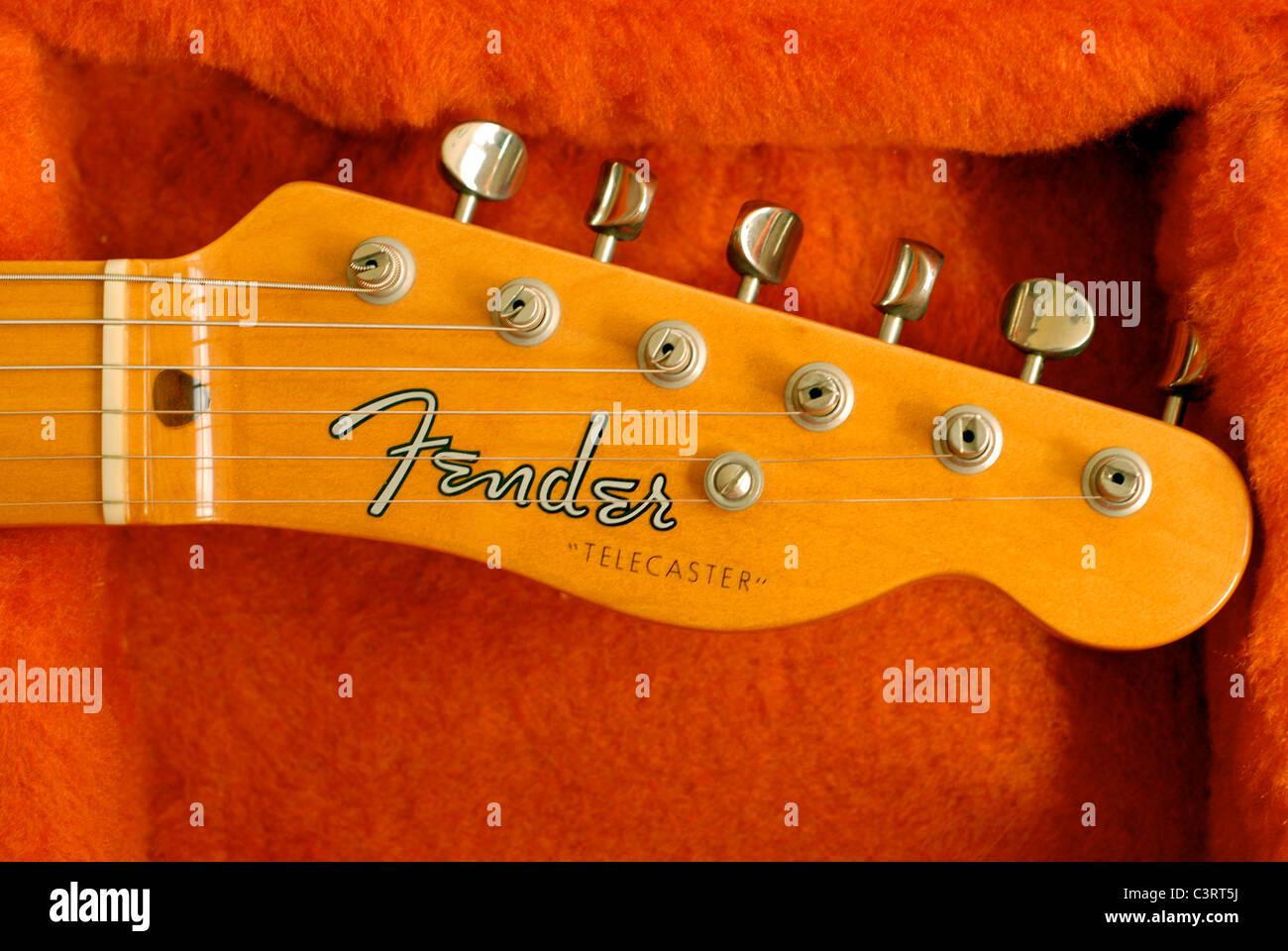 Guitare électrique Fender Telecaster. 1952 Nouvelle publication. Détail de poupée et touches de réglage. Photo Stock