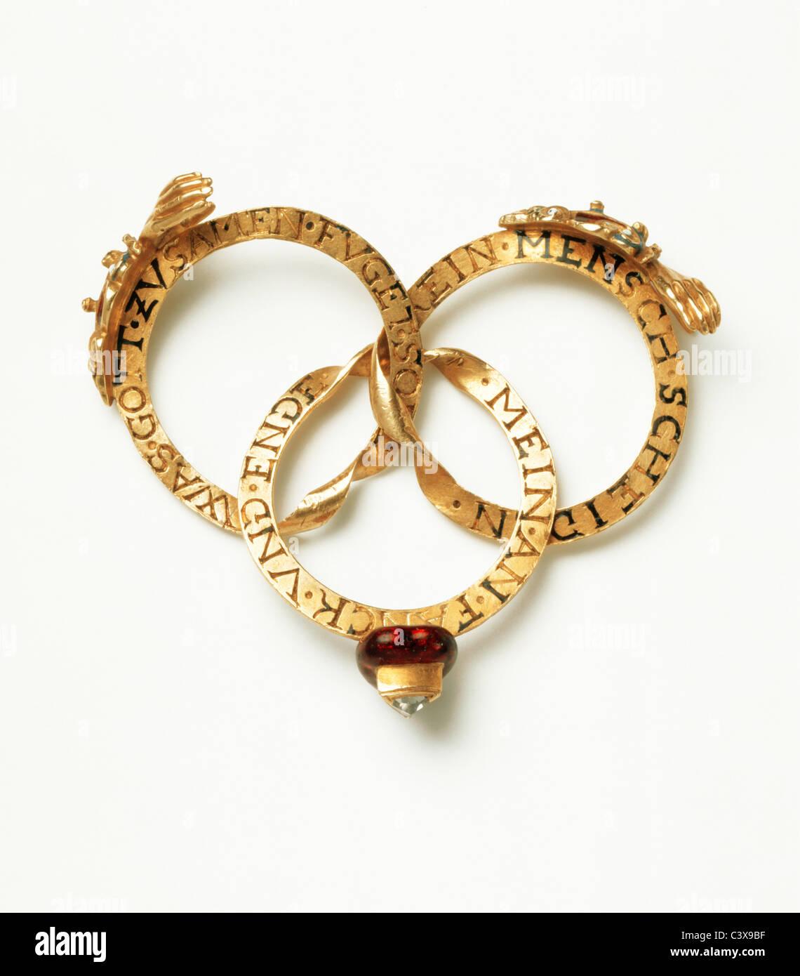 Mariage gimmel ring ouvert pour afficher chaque anneau. Allemagne, fin du 16e siècle Banque D'Images