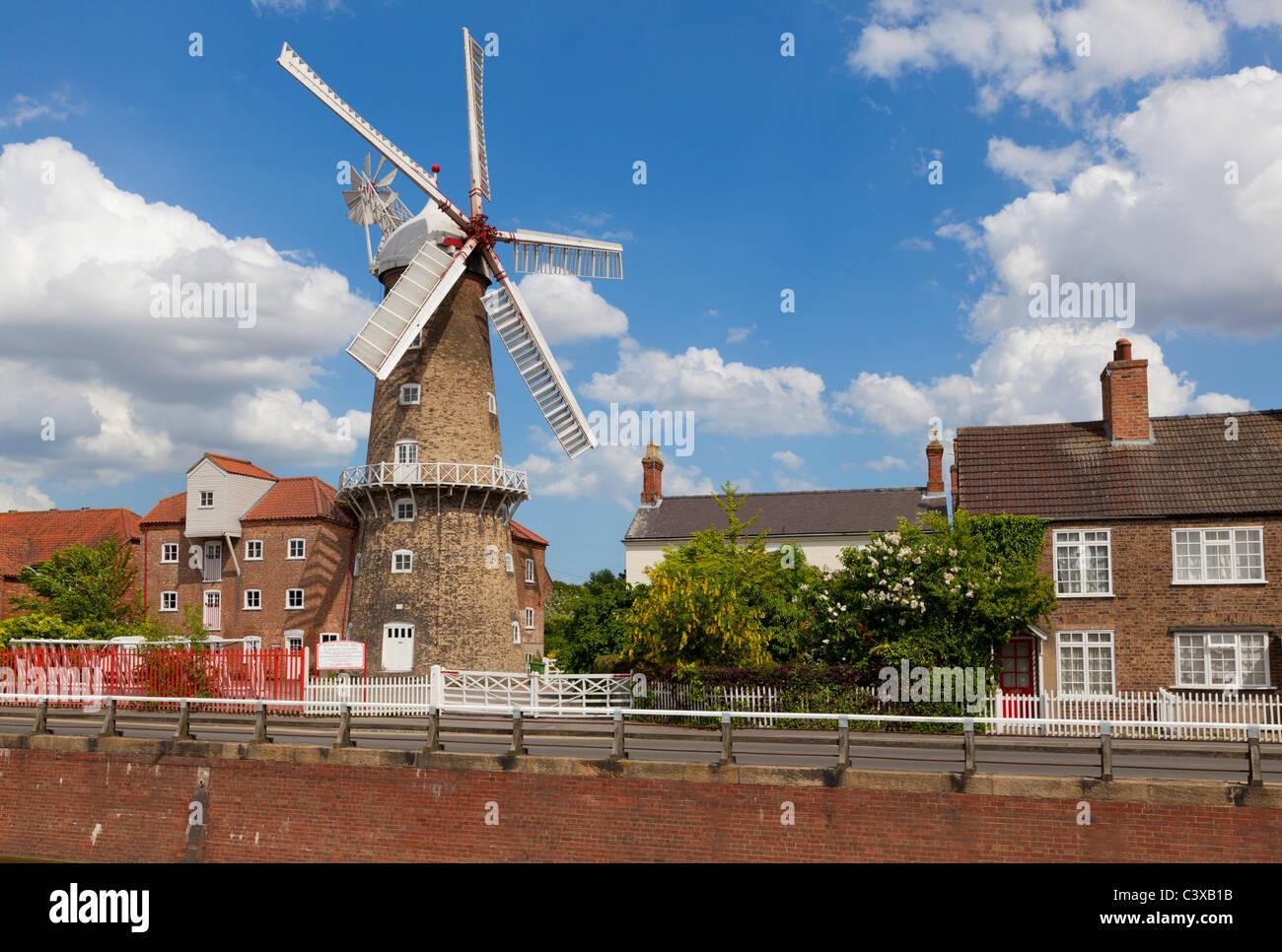 Maud Foster moulin à côté du drain Foster Maud Skirbeck Boston LIncolnshire Angleterre GO UK EU Europe Photo Stock