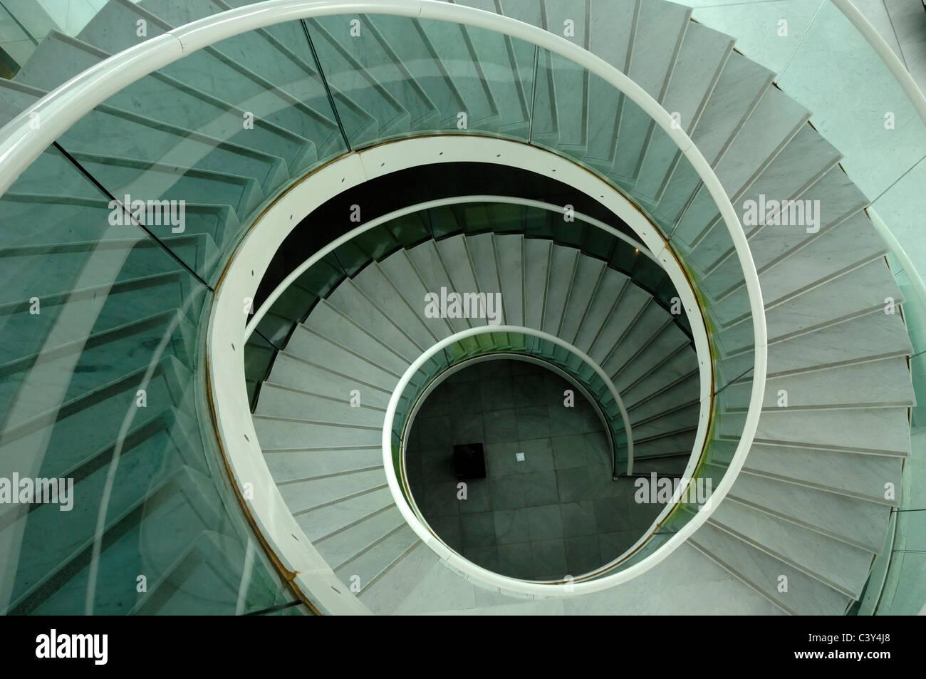 Escalier spirale escalier ou Musée des Arts Asiatiques Nice France Photo Stock