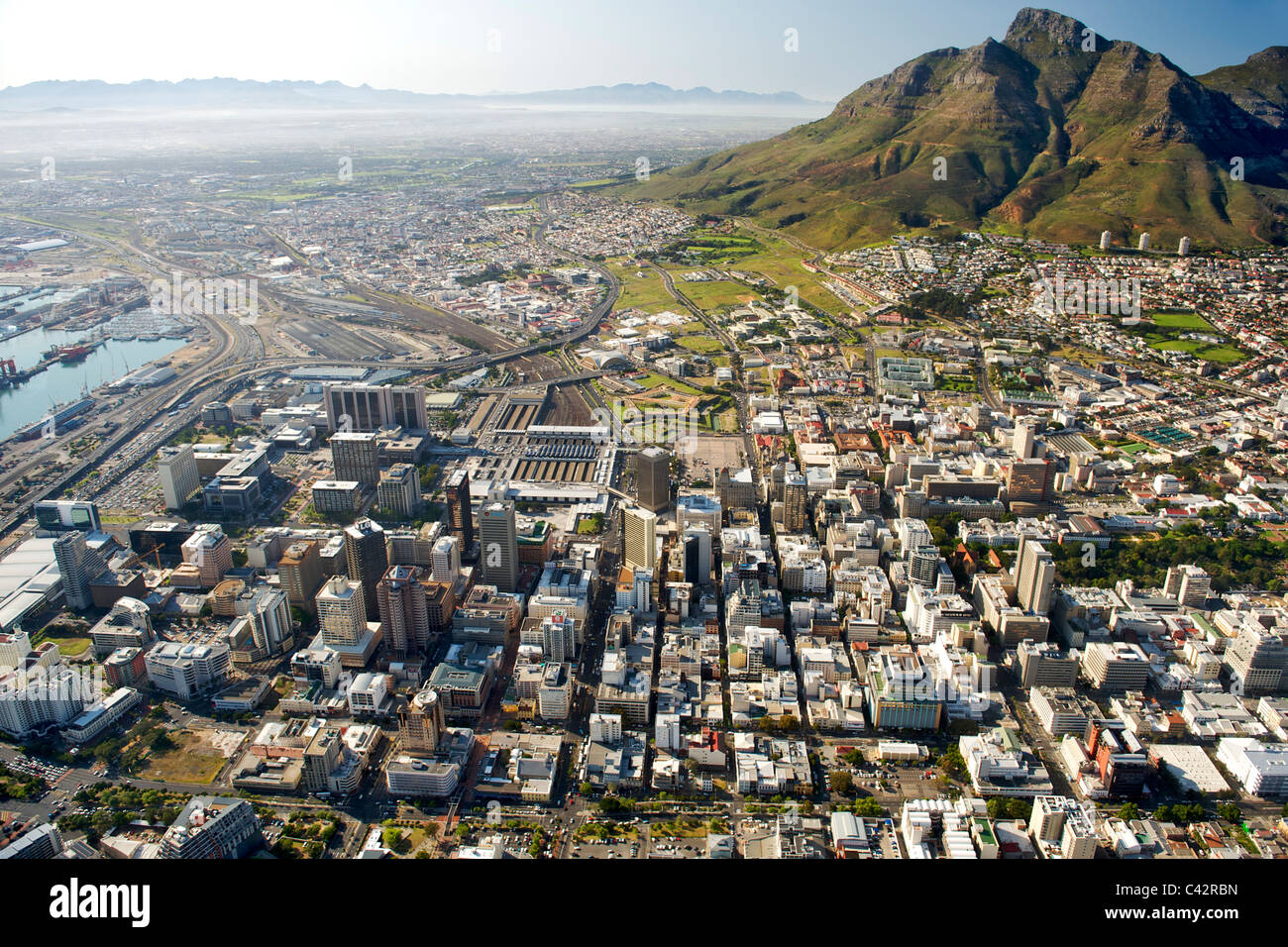 Vue aérienne des bâtiments de la CBD à Cape Town, Afrique du Sud. Photo Stock